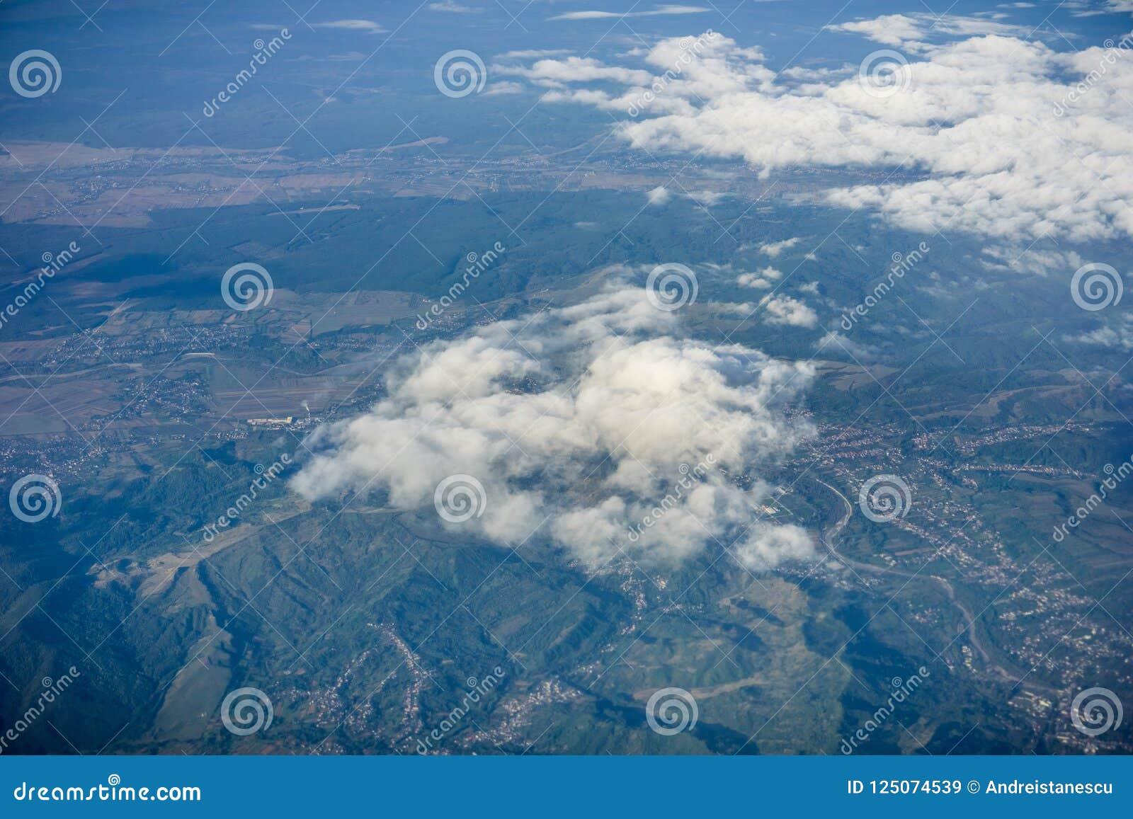 Vue aérienne de la campagne roumaine