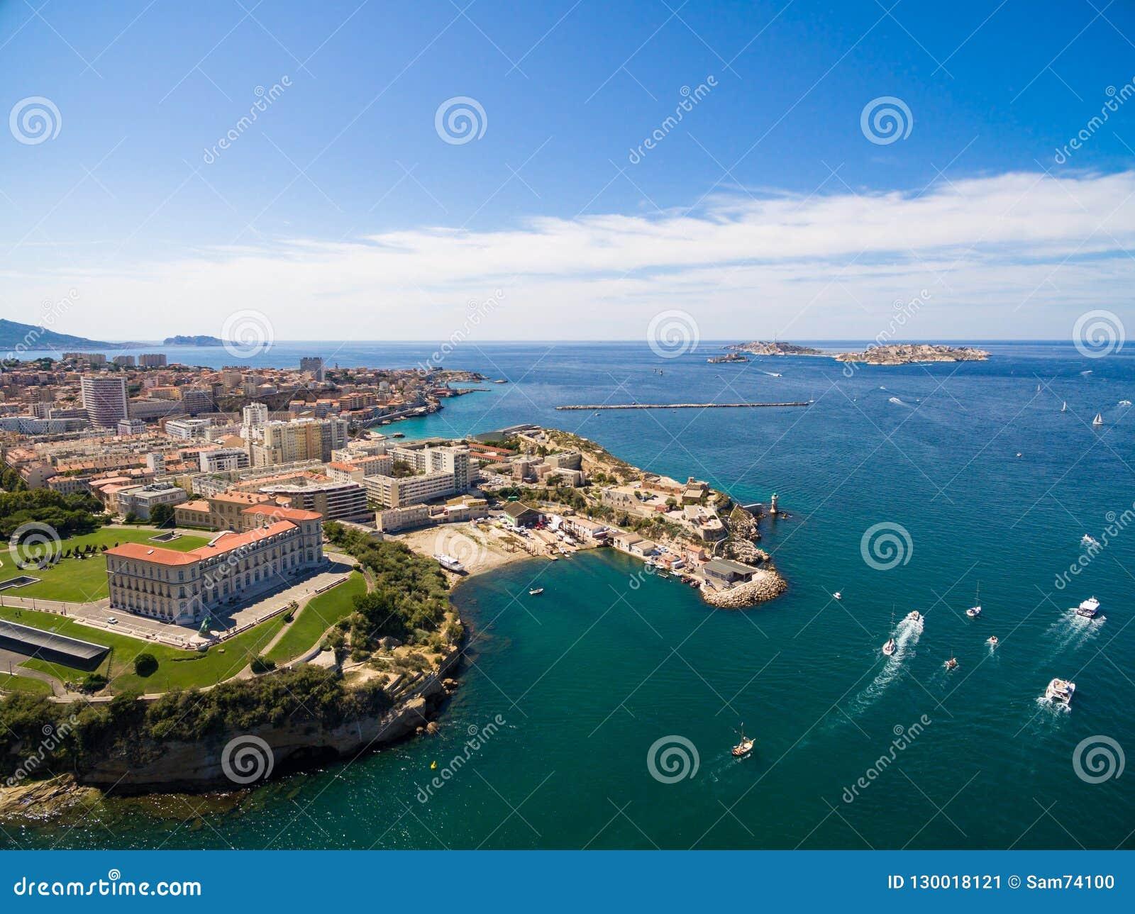 Vue aérienne de pilier de Marseille - port de Vieux, château de Jean de saint, a