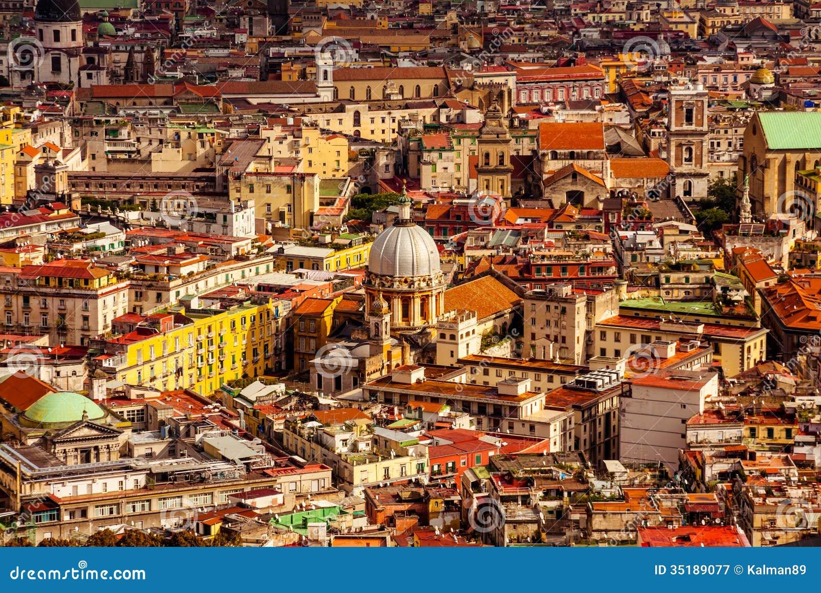 Vue aérienne de ville de Naples