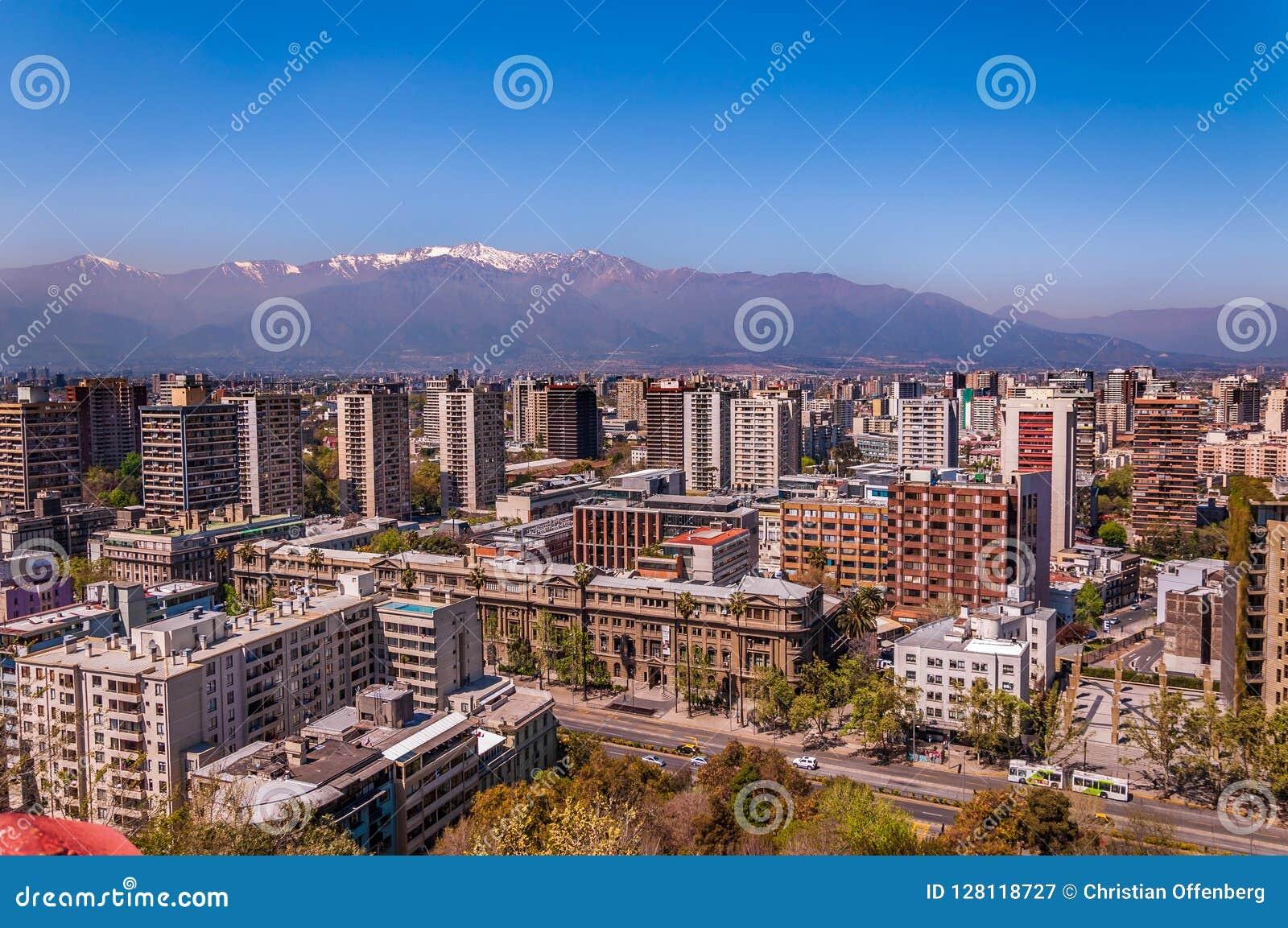 Vue aérienne de ville de Santiago du Chili
