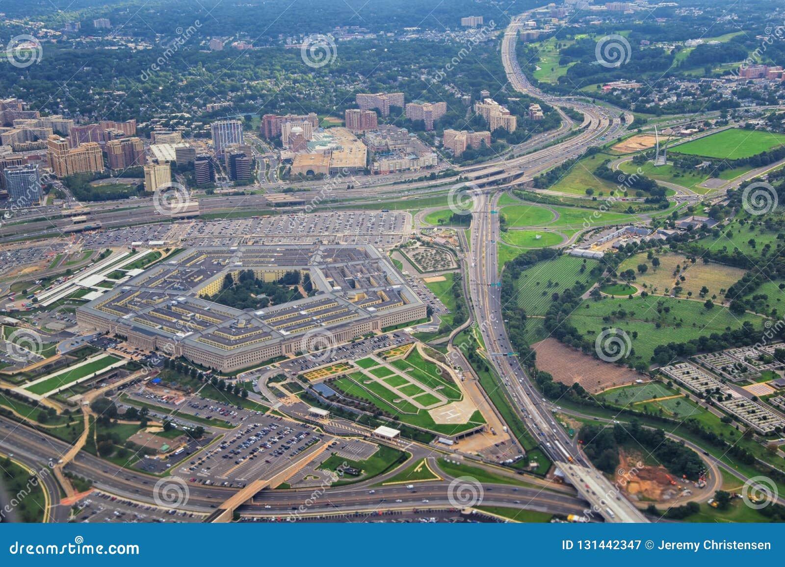 Vue aérienne des Etats-Unis le Pentagone, les sièges sociaux de Département de la Défense à Arlington, la Virginie, près du Washi