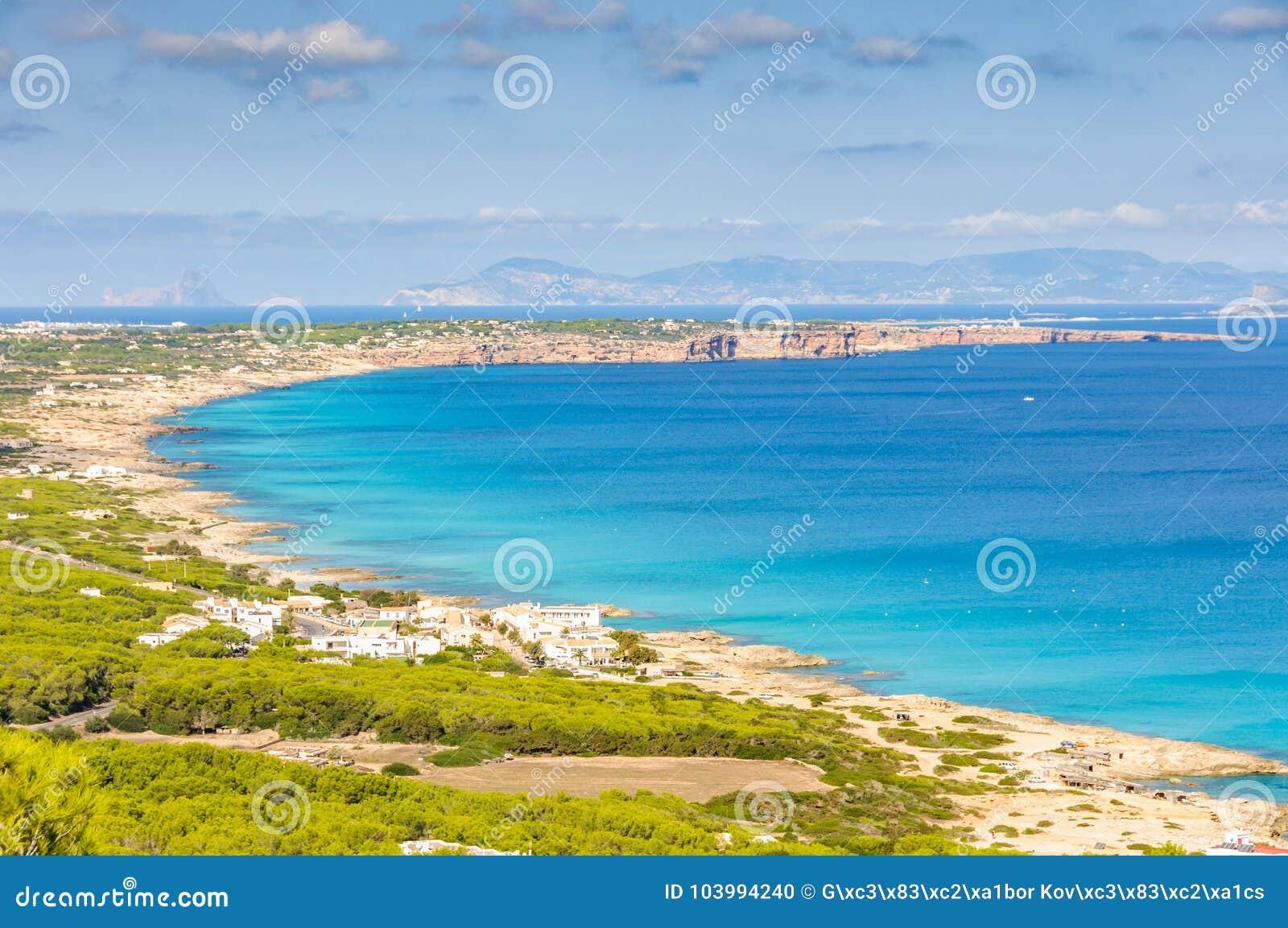 Vue aérienne des plages à Formentera, Espagne