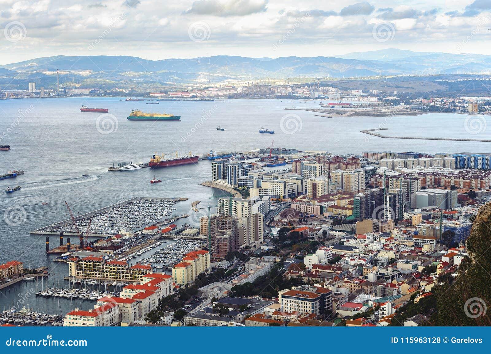 Vue aérienne sur la ville du Gibraltar, territoire d outre-mer britannique