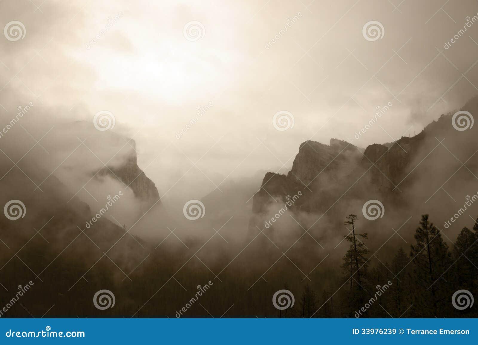Vue Antiqued de vallée de Yosemite