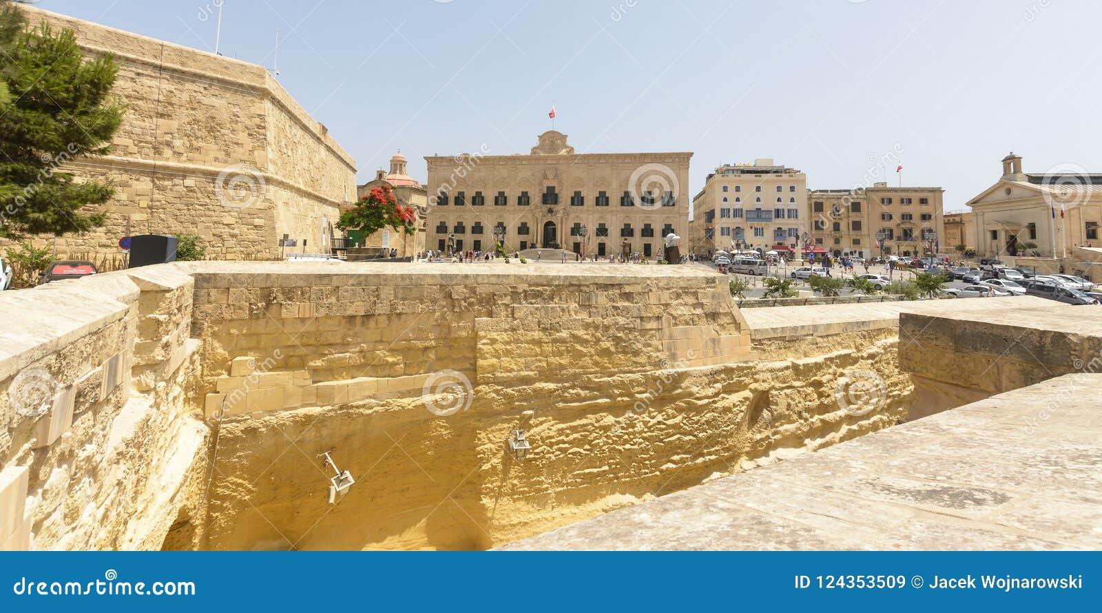 Vue au-dessus d Auberge De Castille Valletta Malta