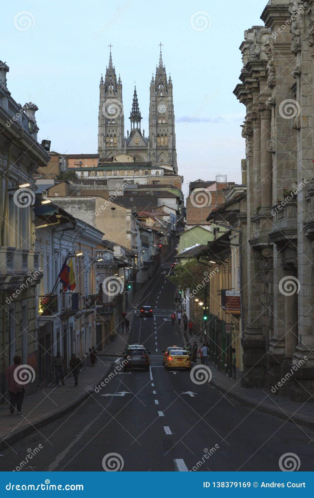 Vue d église de basilique