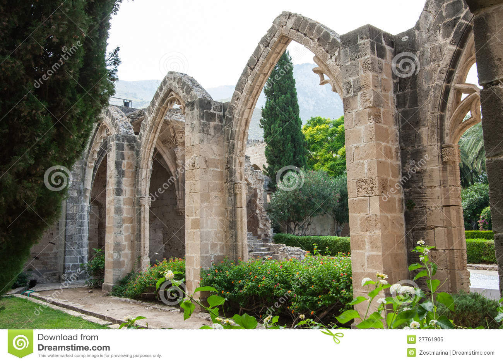 Vue d abbaye de Bellapais
