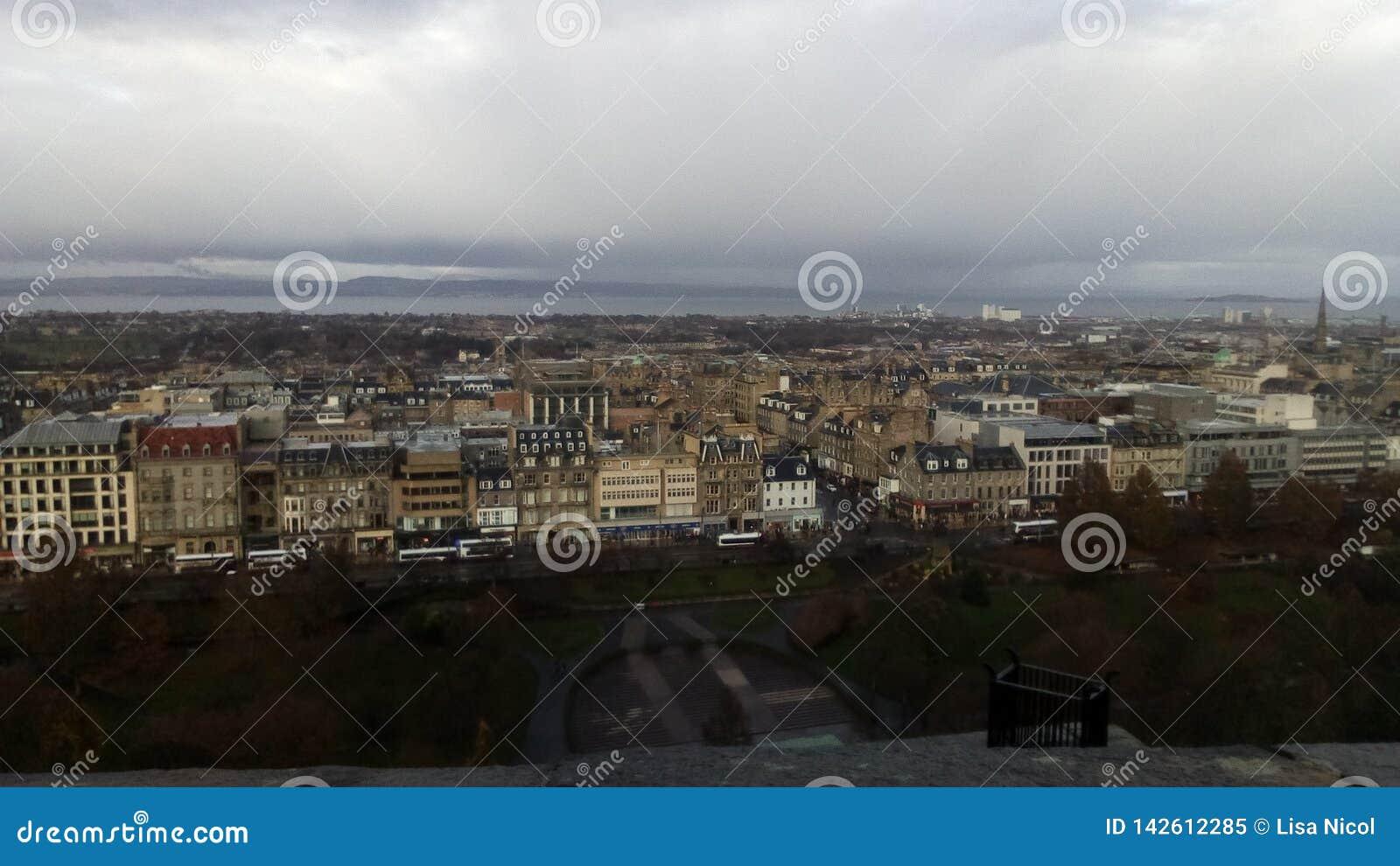 Vue d Edimbourg du château