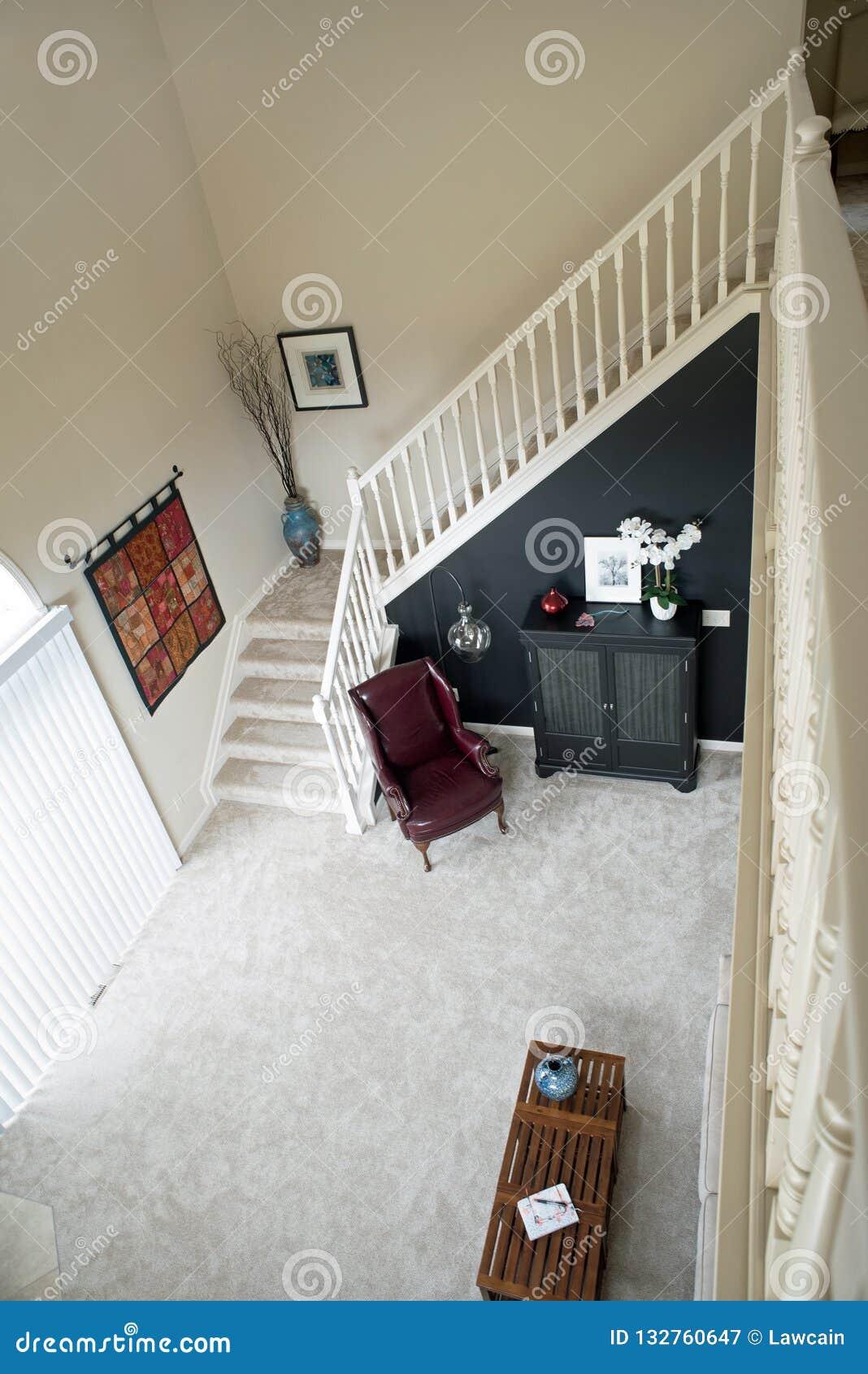 Vue D\'escalier De Salon De Grenier Photographie éditorial ...