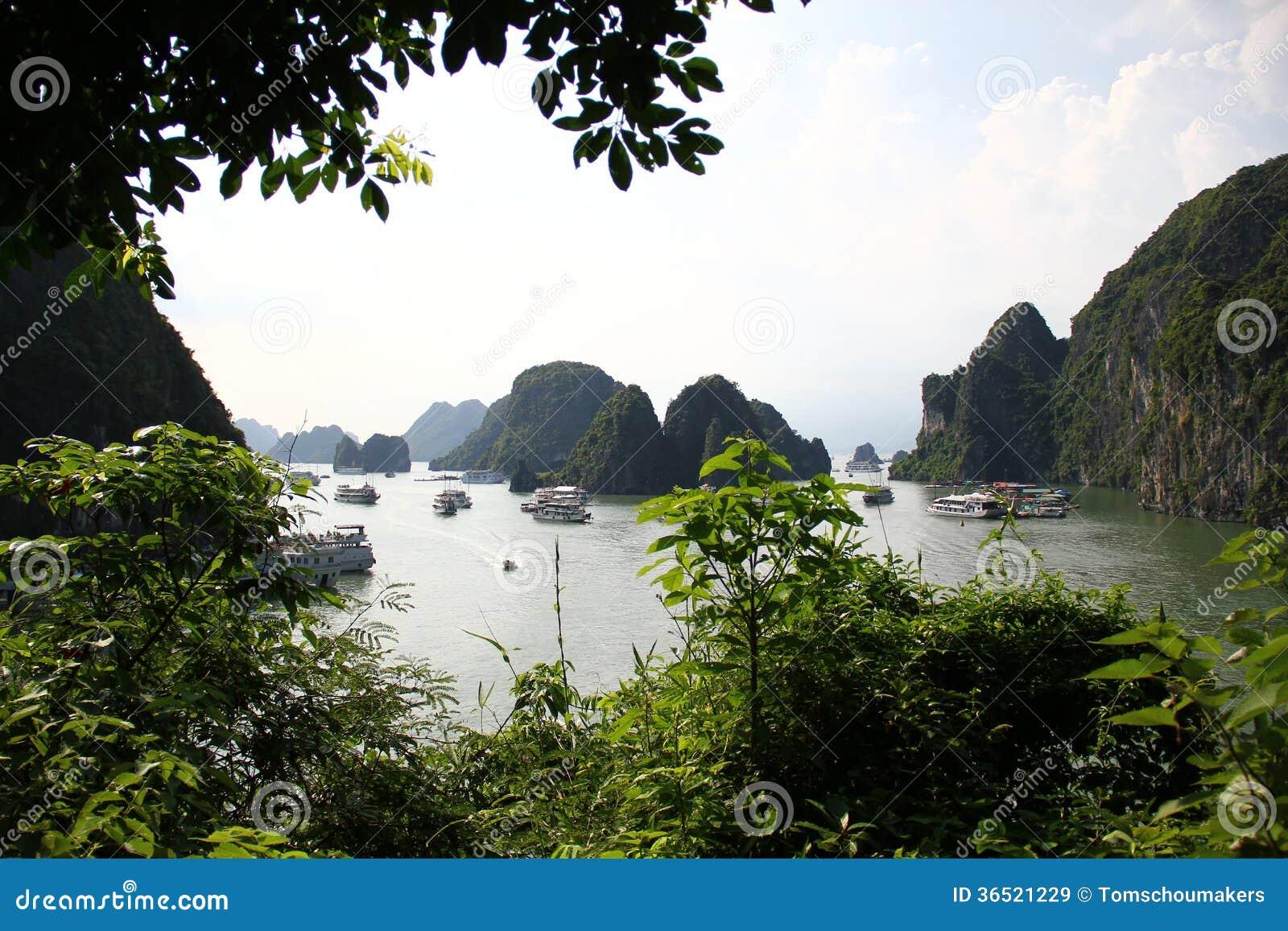 Vue de baie de HaLong