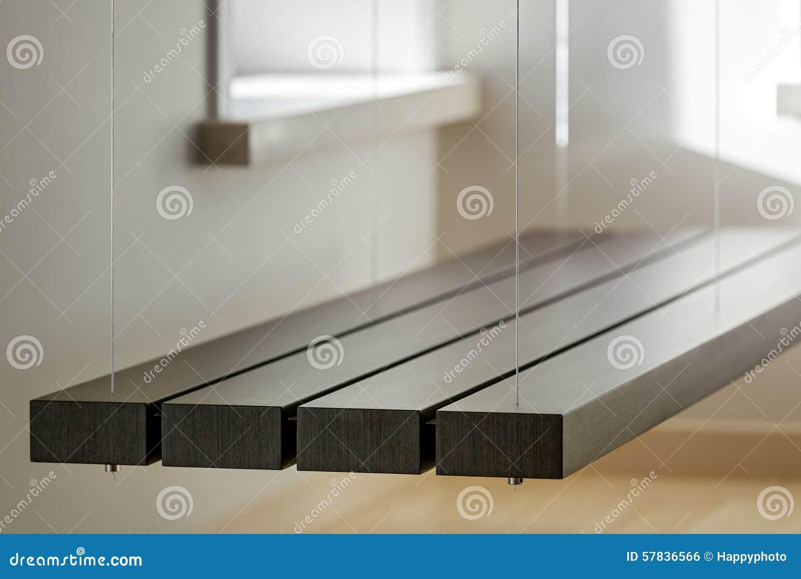 vue de banc suspendu dans l 39 int rieur l ger photo stock image 57836566. Black Bedroom Furniture Sets. Home Design Ideas