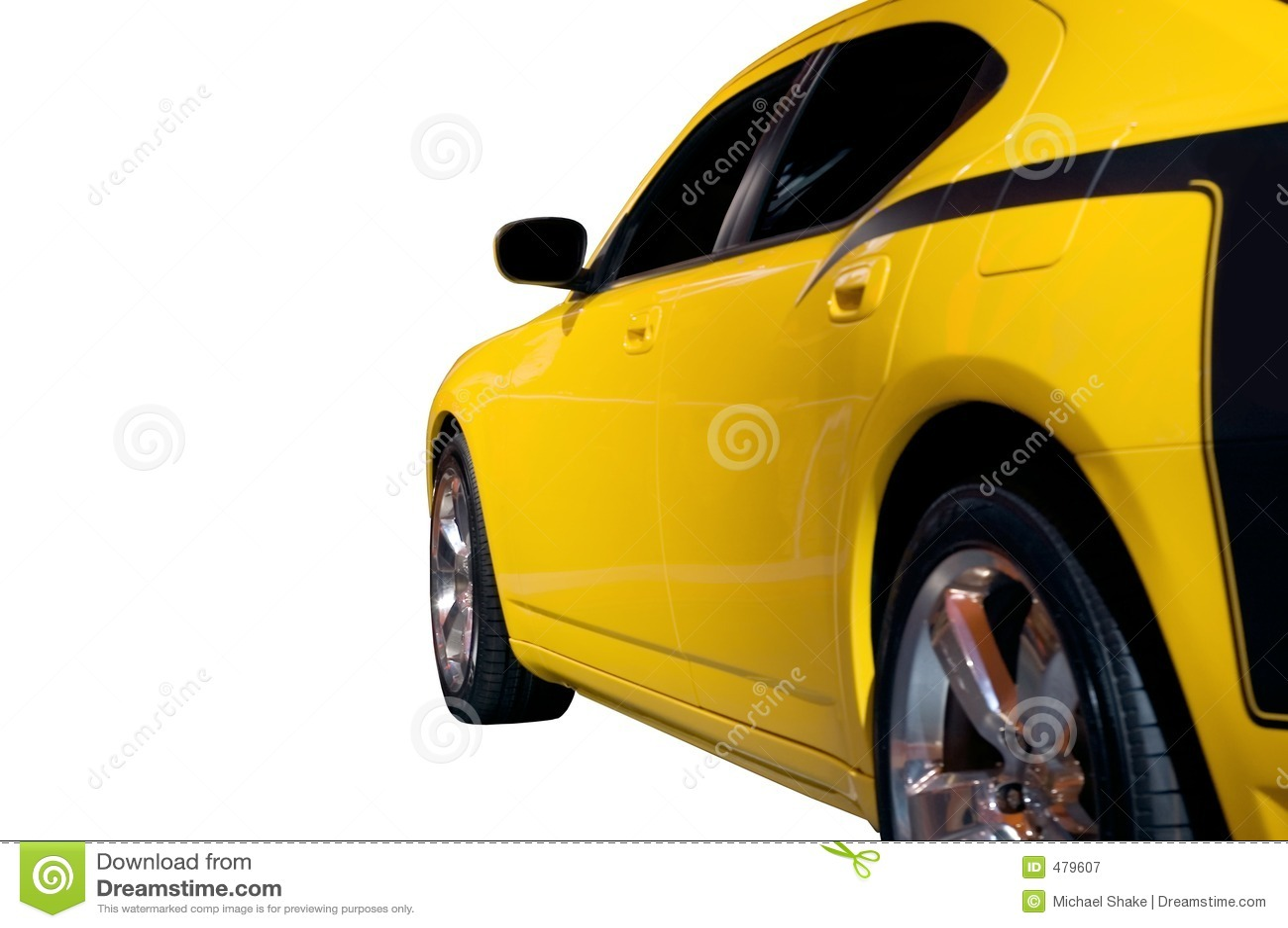 Vue de côté en bas d un véhicule de muscle