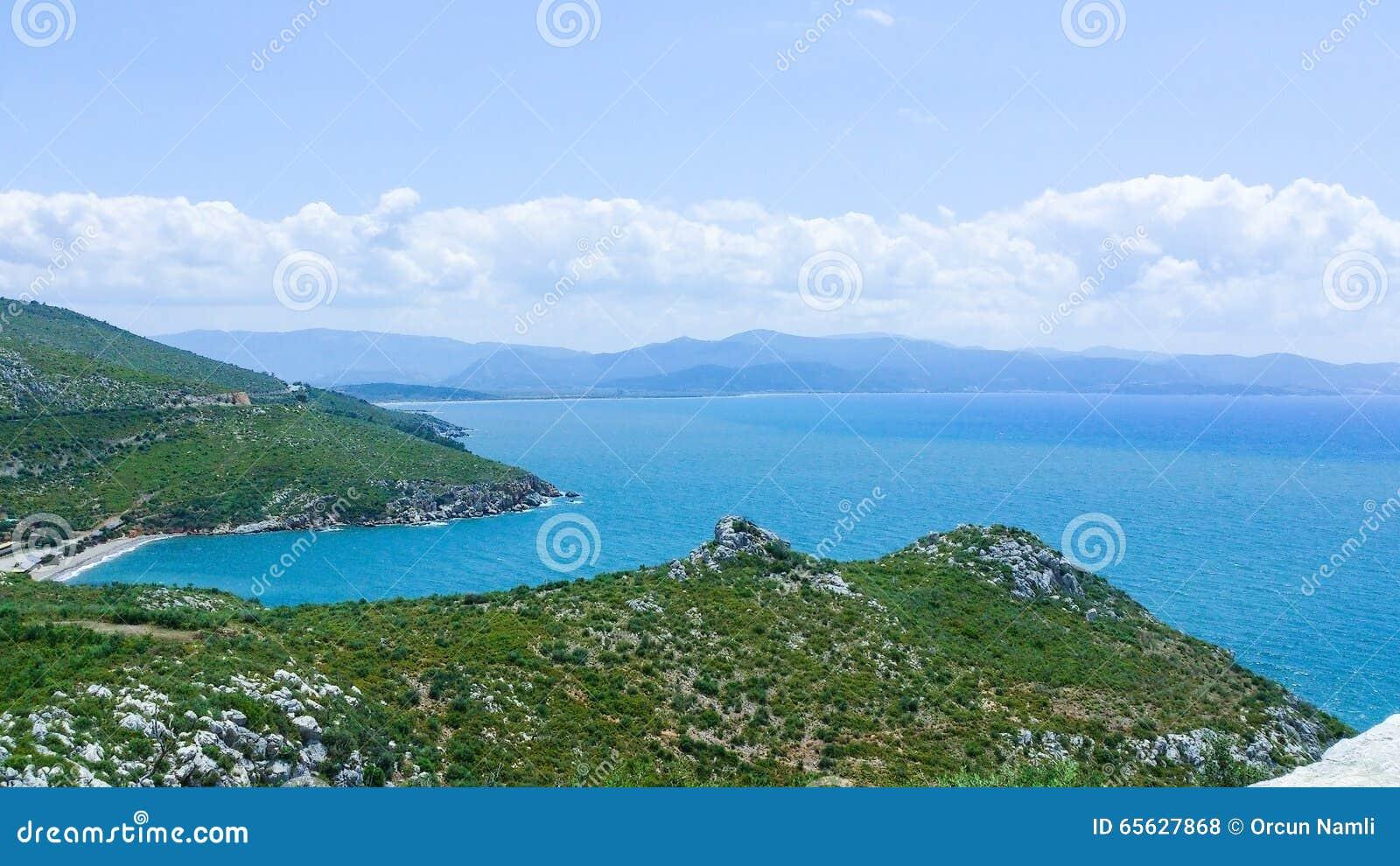 Vue de côte égéenne dans Ozdere, Turquie