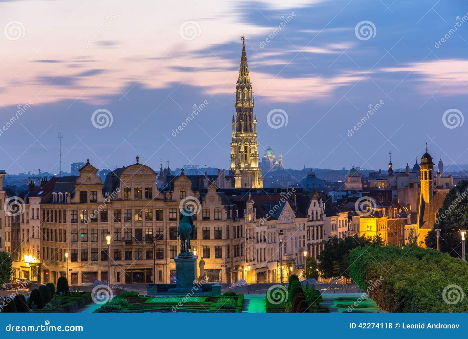 Vue de centre de la ville de bruxelles belgique photo for Piscine bruxelles