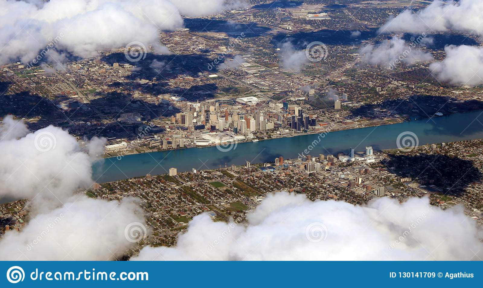 Vue de Detroit Motor City du ciel, photo panoramique de position américaine de ville d avion