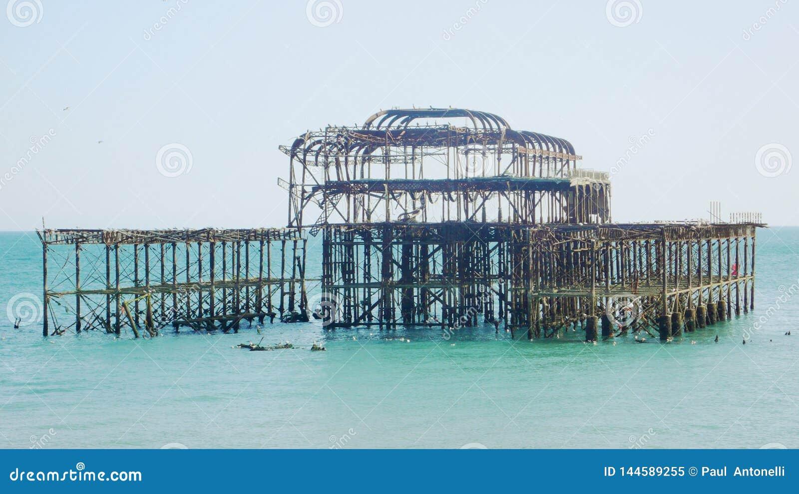 Vue de fin de Brighton West Pier