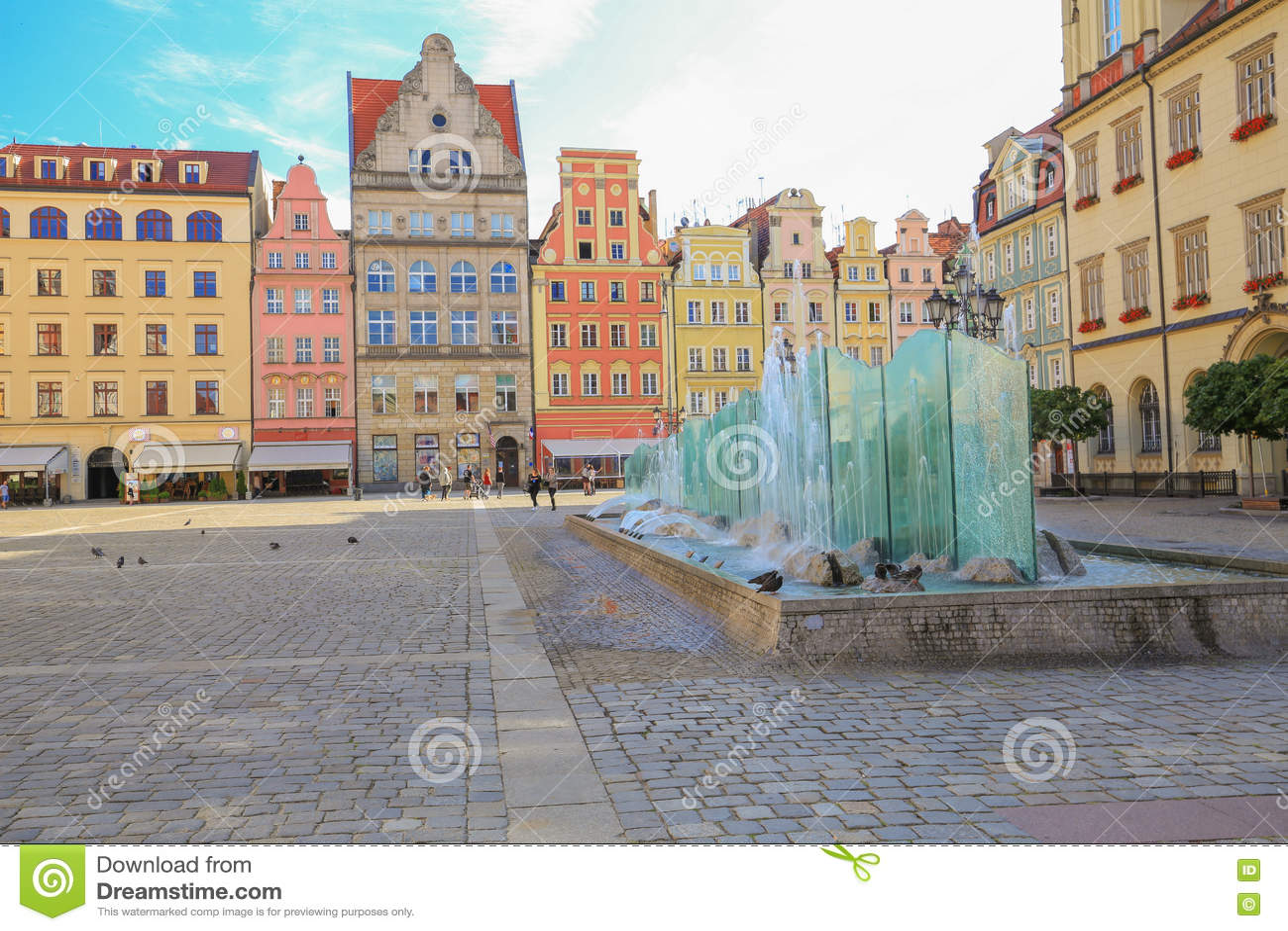 Vue de l architecture historique rénovée à Wroclaw
