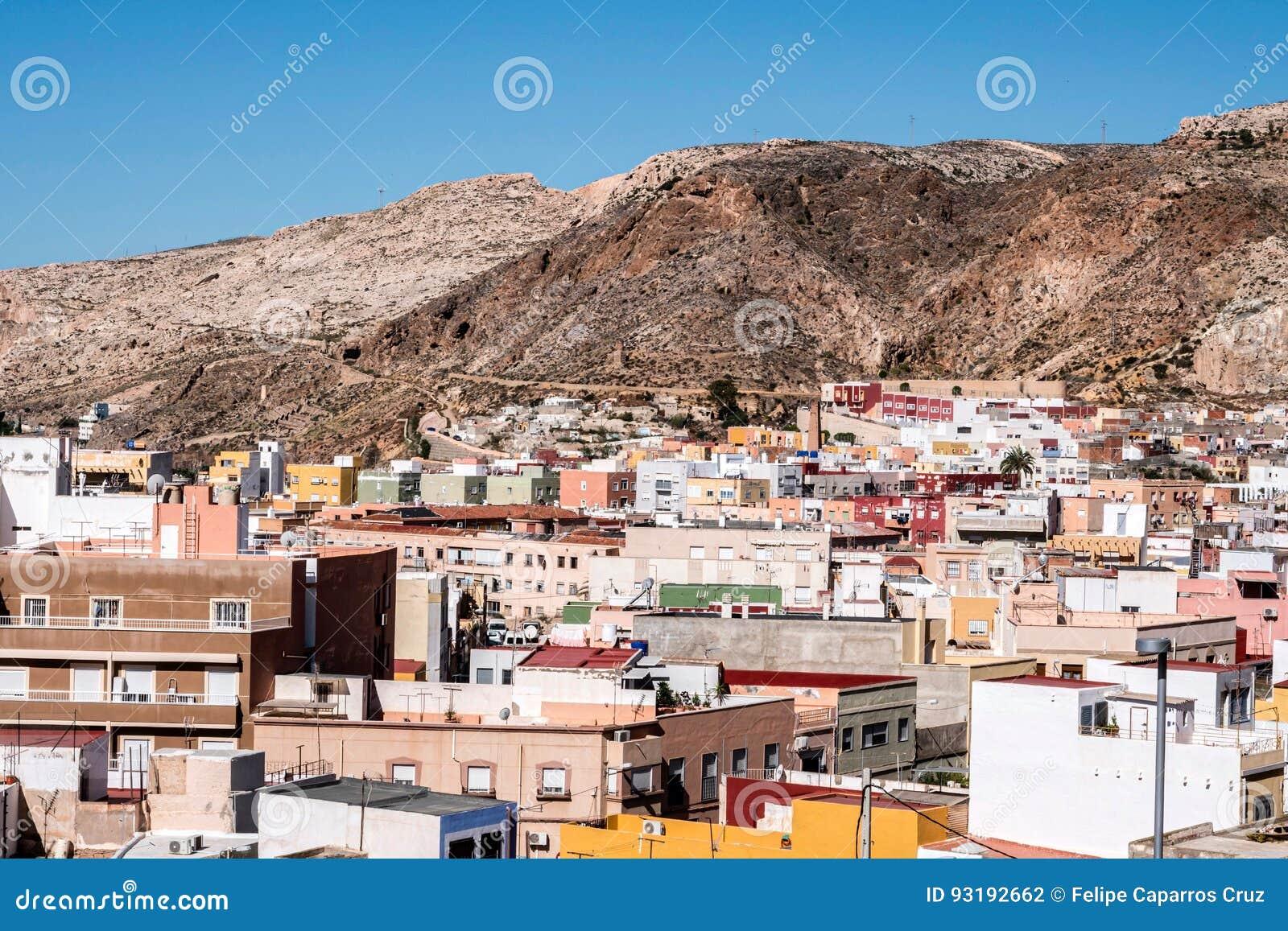 Vue de la forteresse des maisons mauresques et des for Google vue des maisons