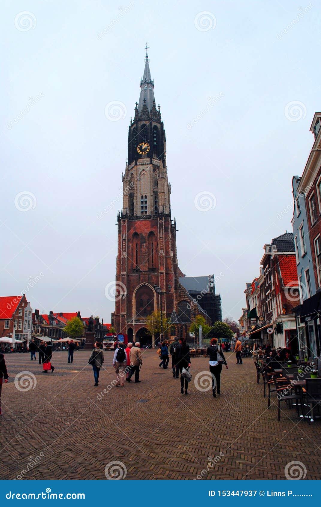 Vue de la nouvelle église, place principale Delft Pays-Bas