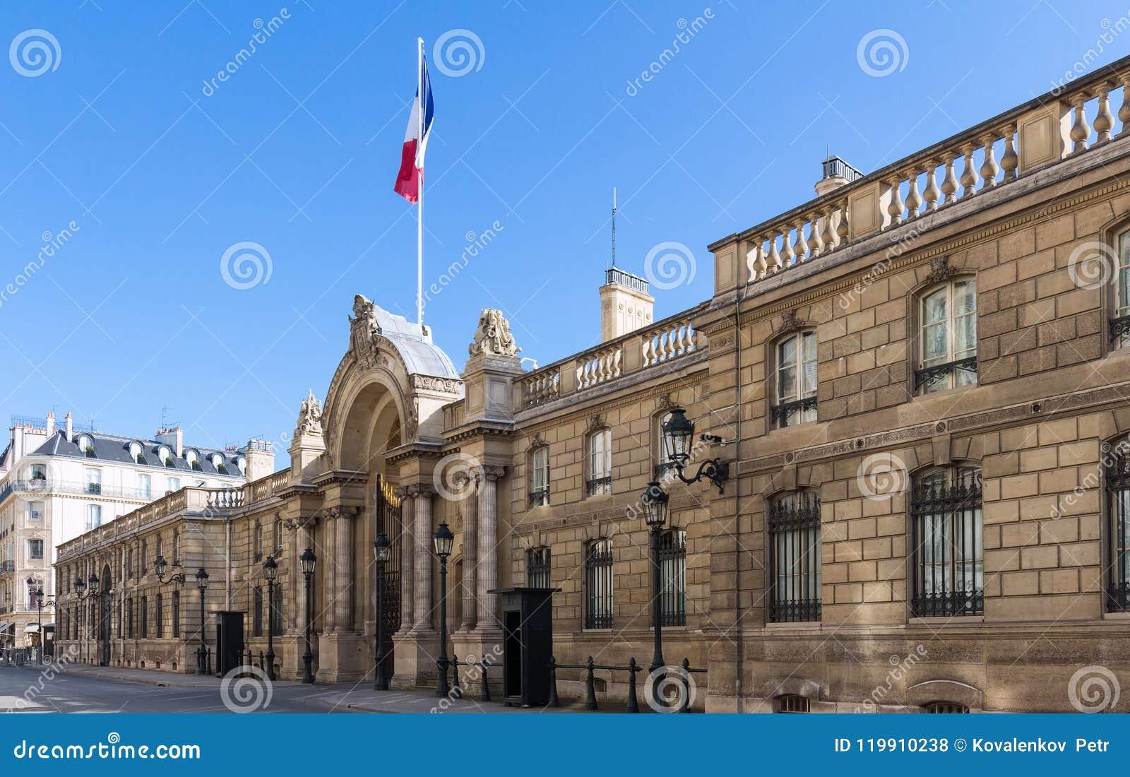 Vue de la porte d entrée de l Elysee Palace de la rue du Faubourg Saint-Honore Elysee Palace - résidence principale de