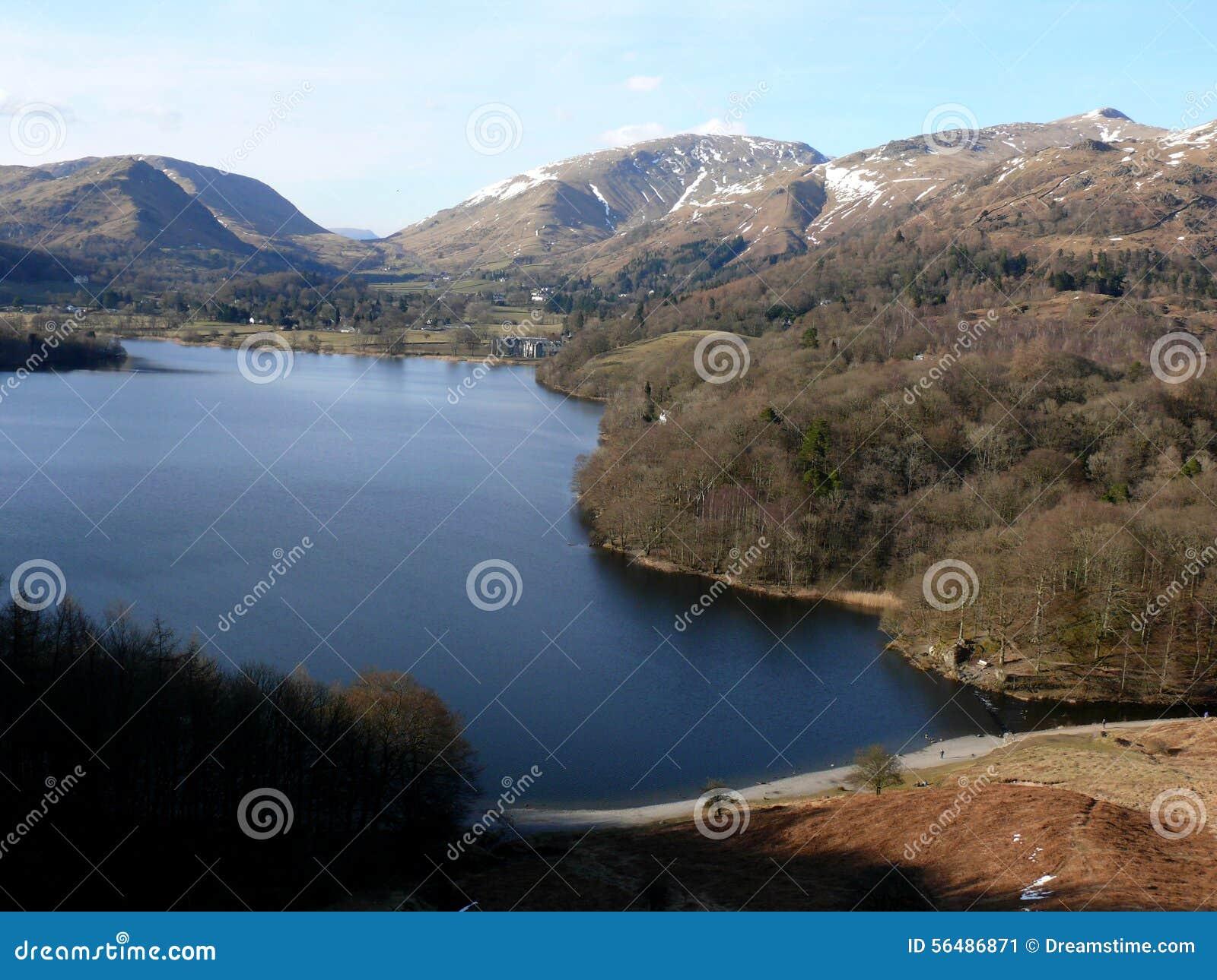 Vue de lac au secteur de lac, Cumbria, Angleterre R-U