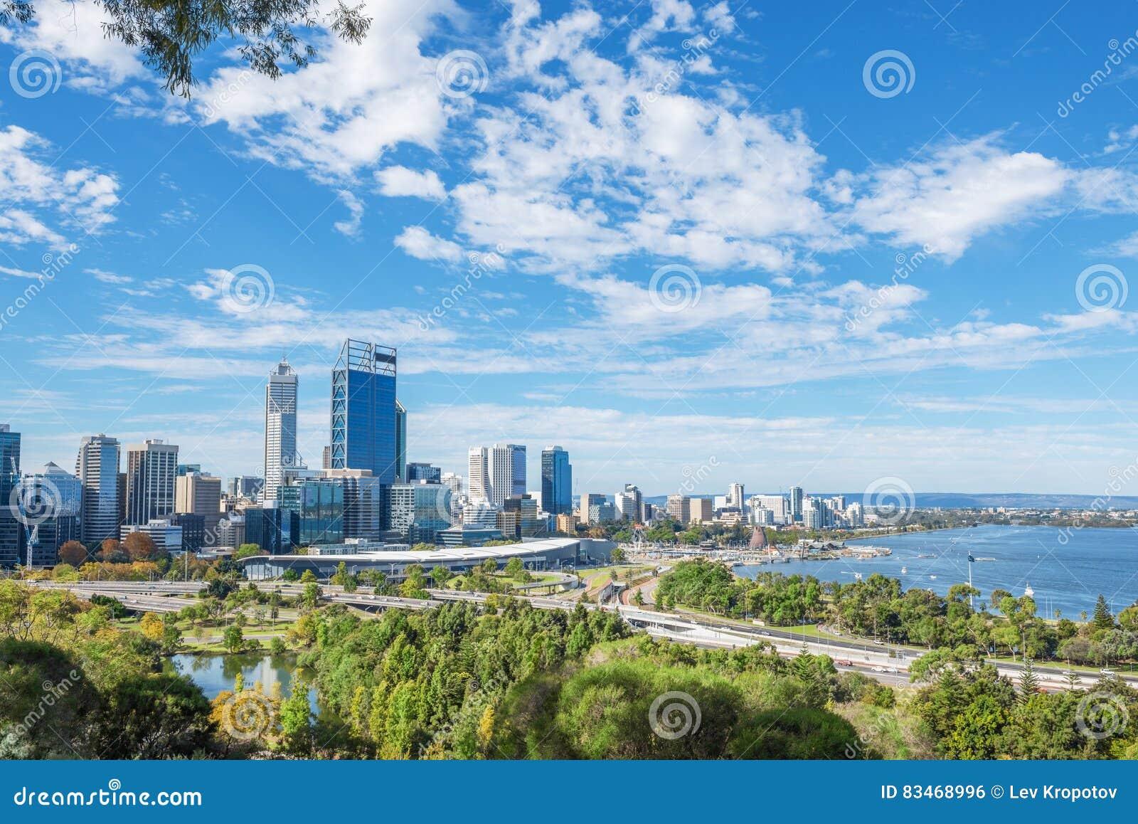 Vue de Perth à midi