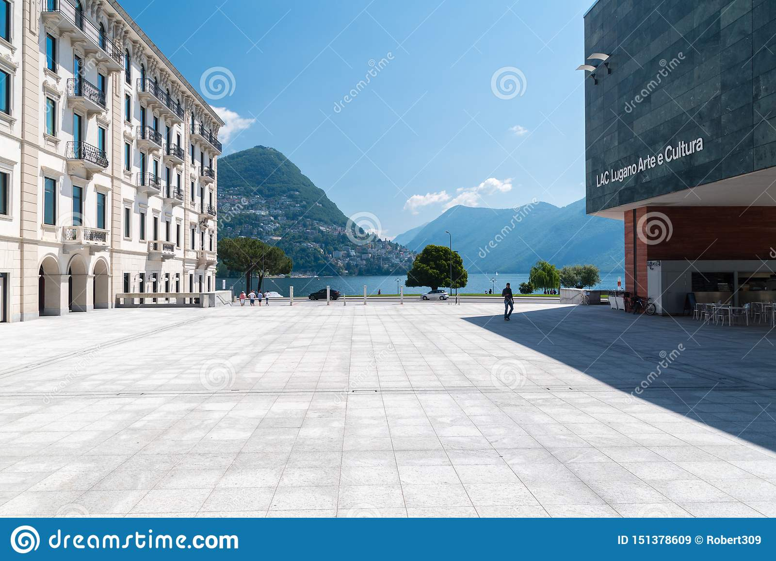 Vue de place à la LAQUE Lugano Arte e Cultura