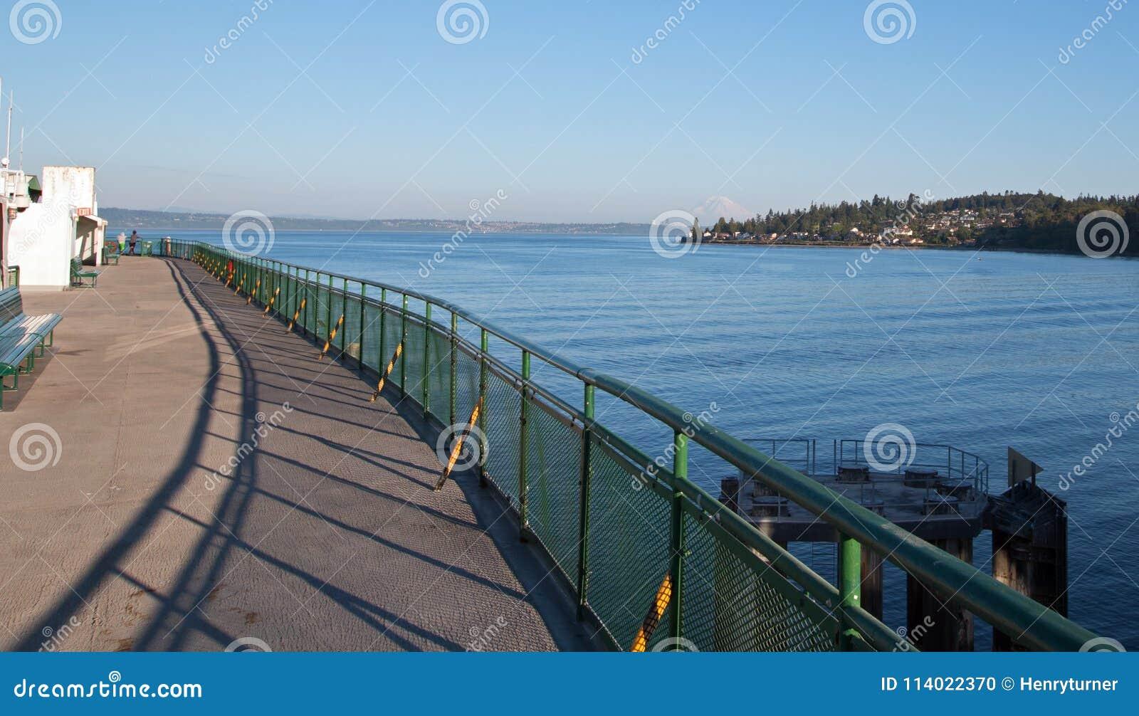 Vue de Puget Sound d Edmonds Kingston Ferry à Seattle Washington Etats-Unis