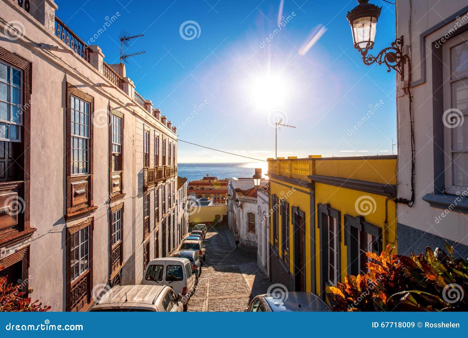 Vue de rue de ville en Santa Cruz de La Palma