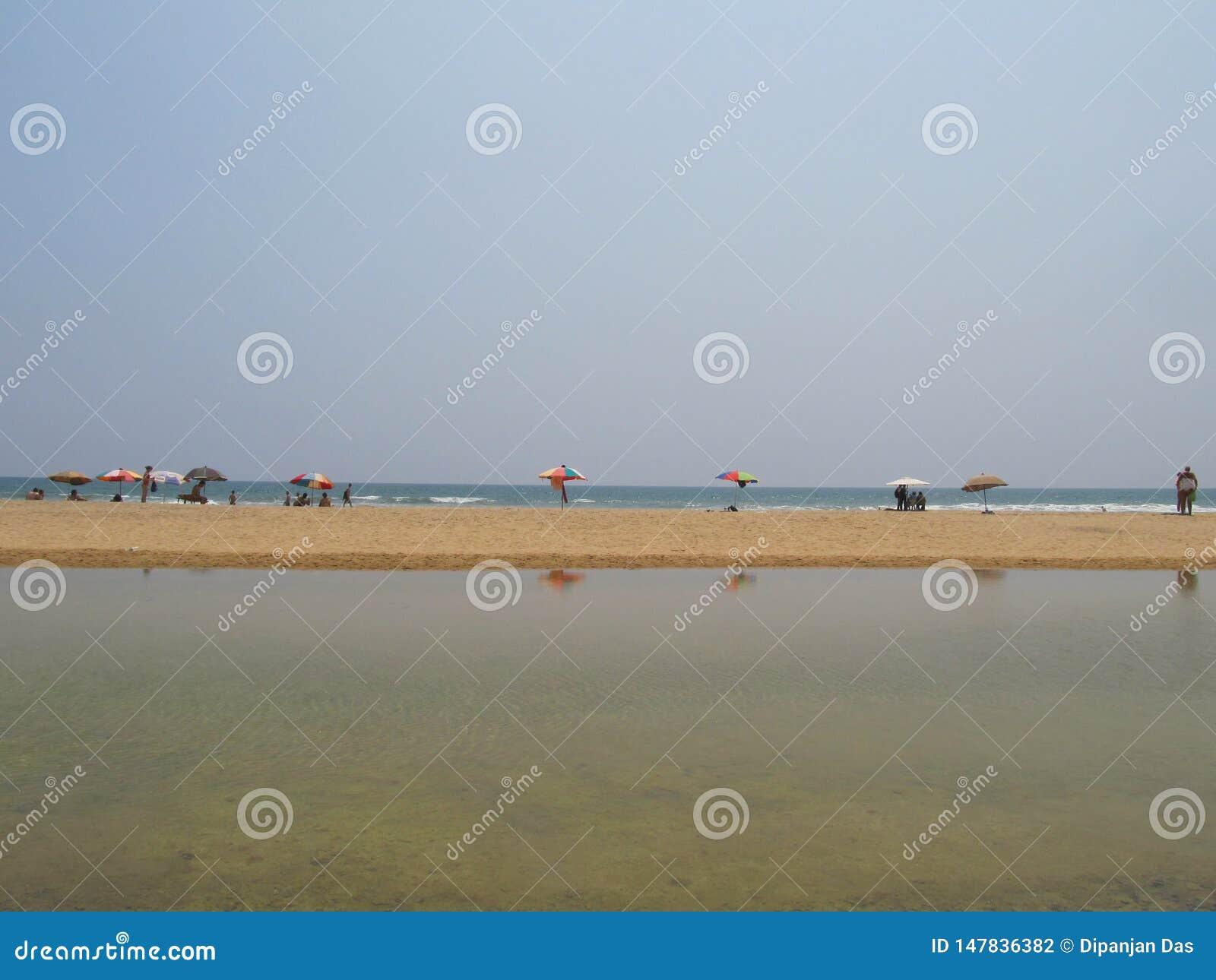 Vue de stup?faction de plage chez Varkala, Kerala, Inde