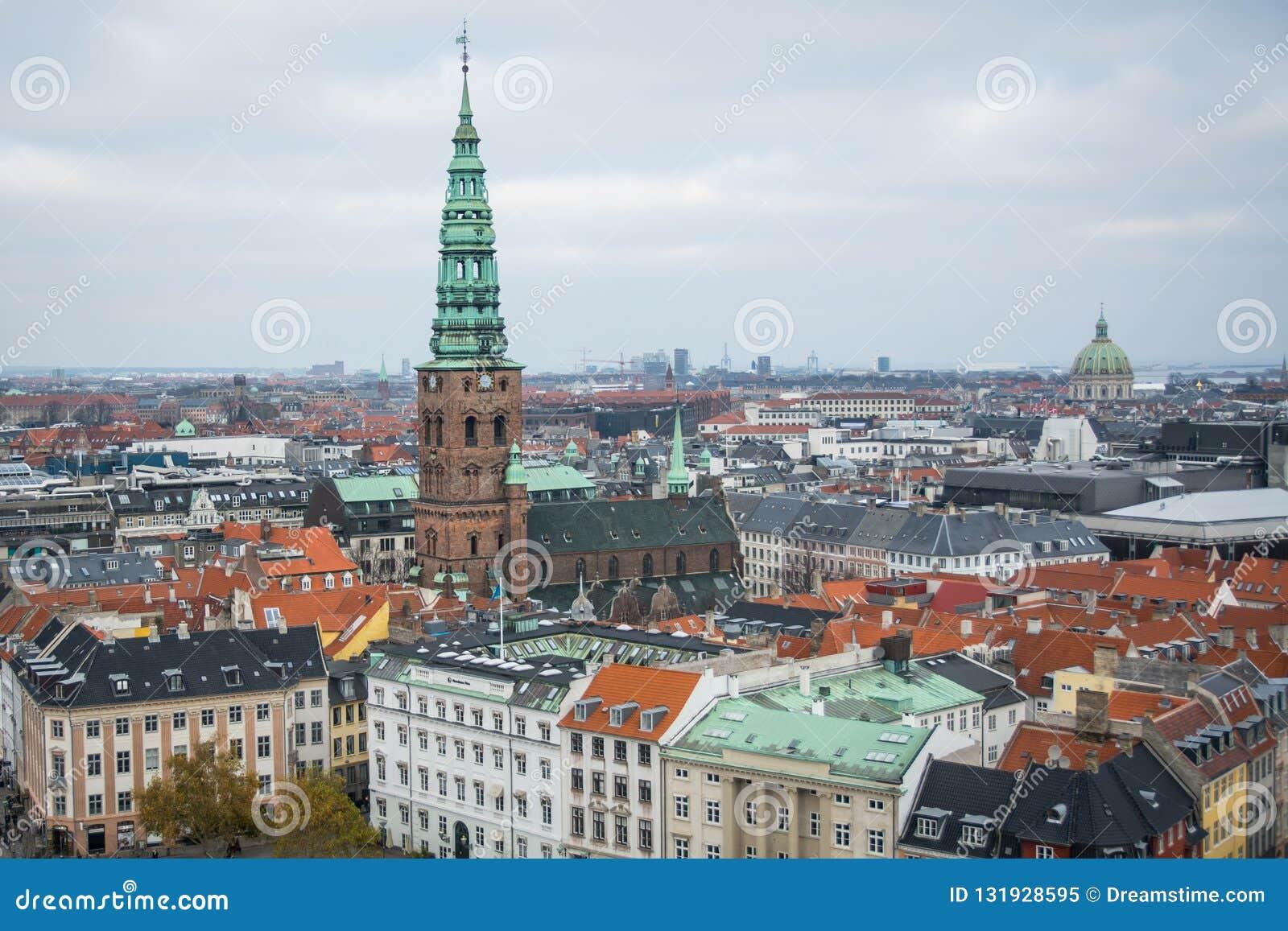 Vue de tour de château de Christiansborg Centre-ville de Copenhague denmark