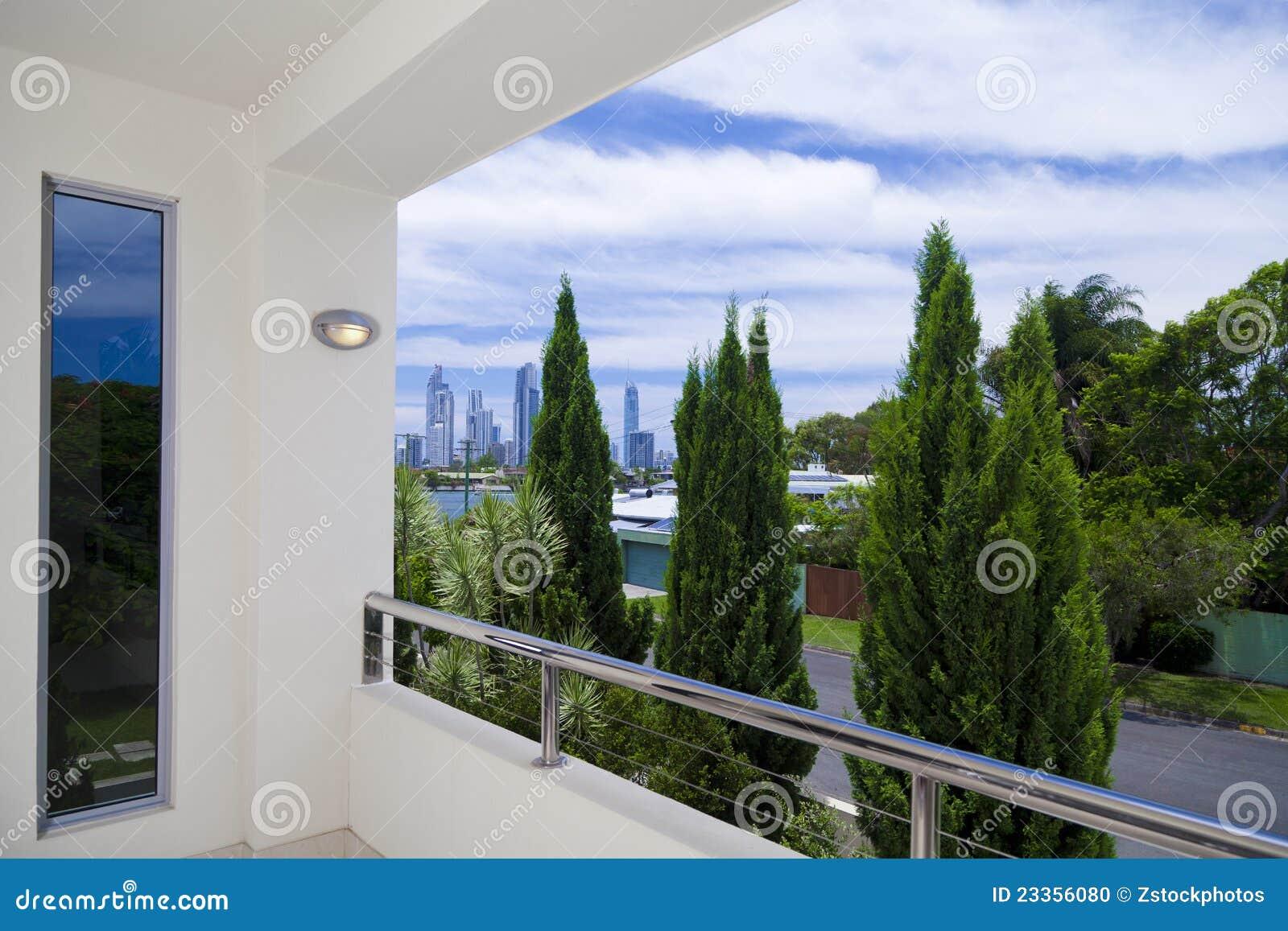 Vue de ville de balcon photo stock image 23356080 - Balcon de ville ...