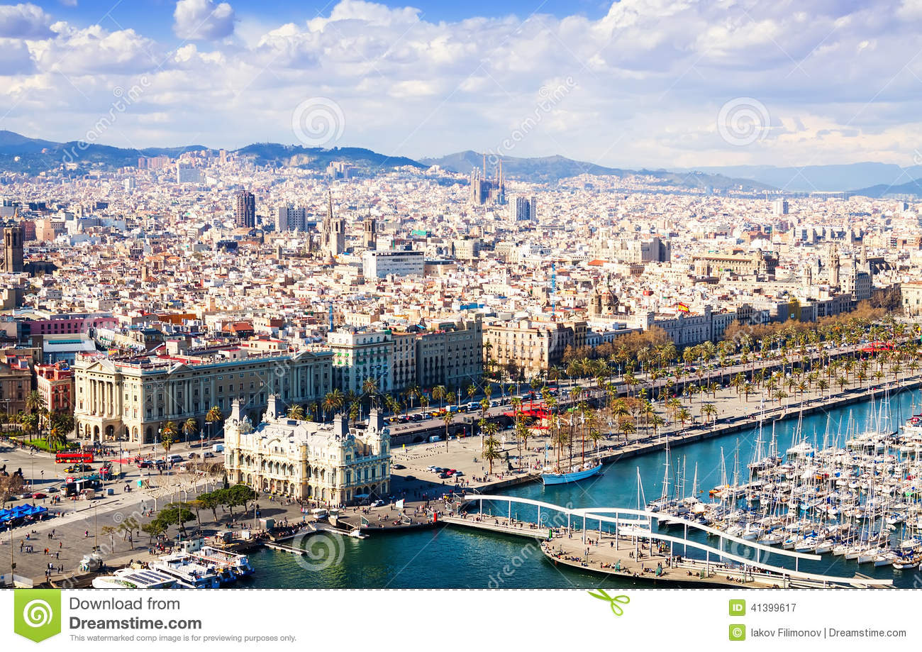 Vue de ville de barcelone catalonia photo stock image for Piscine w barcelone