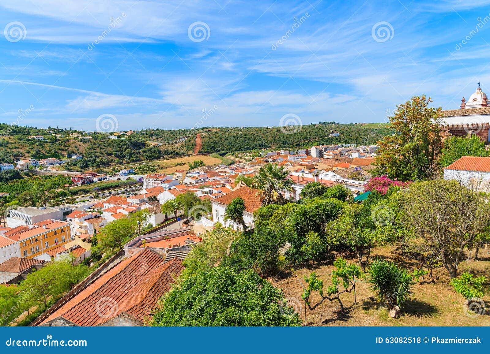 Download Vue De Ville De Silves Avec Les Maisons Colorées Photo stock - Image du vieux, architecture: 63082518