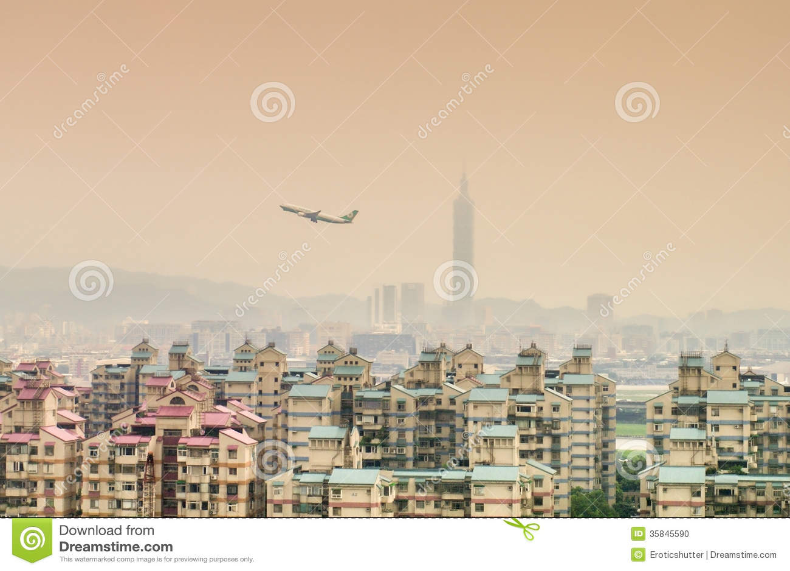 Vue de ville de Taïpeh de région de Surburban