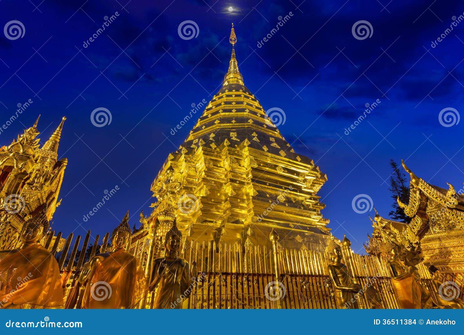 Vue Doi Suthep de nuit