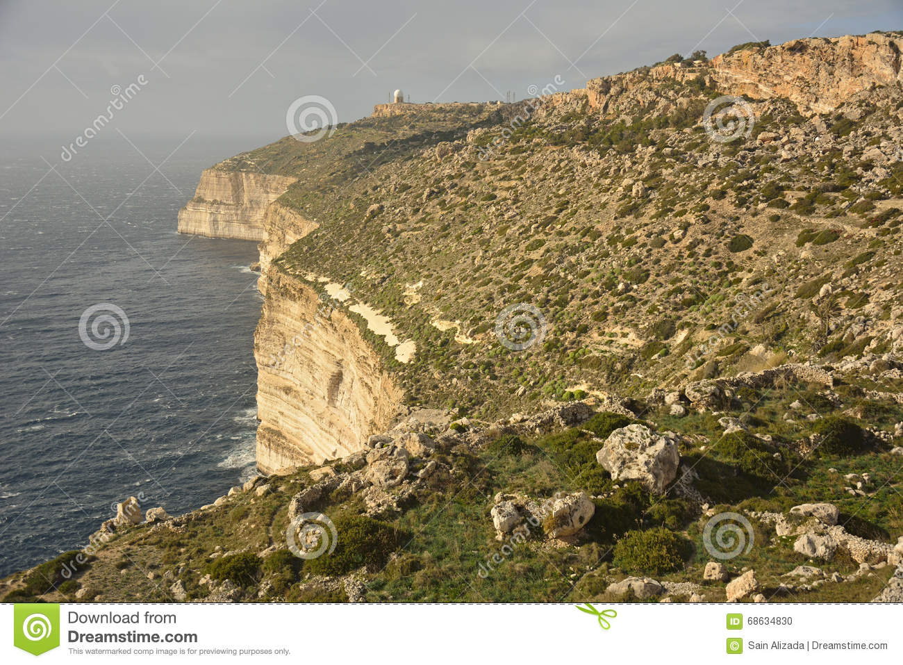 Vue du haut des falaises de dingli malte photo stock for Table vue de haut
