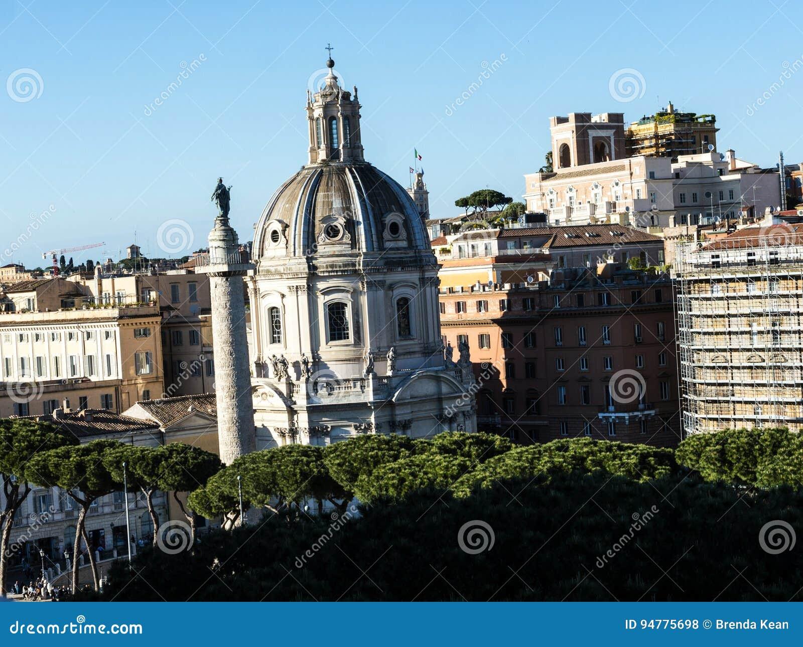Vue Du Monument Au Roi Vittorio Emanuele 2 Dans Piazza