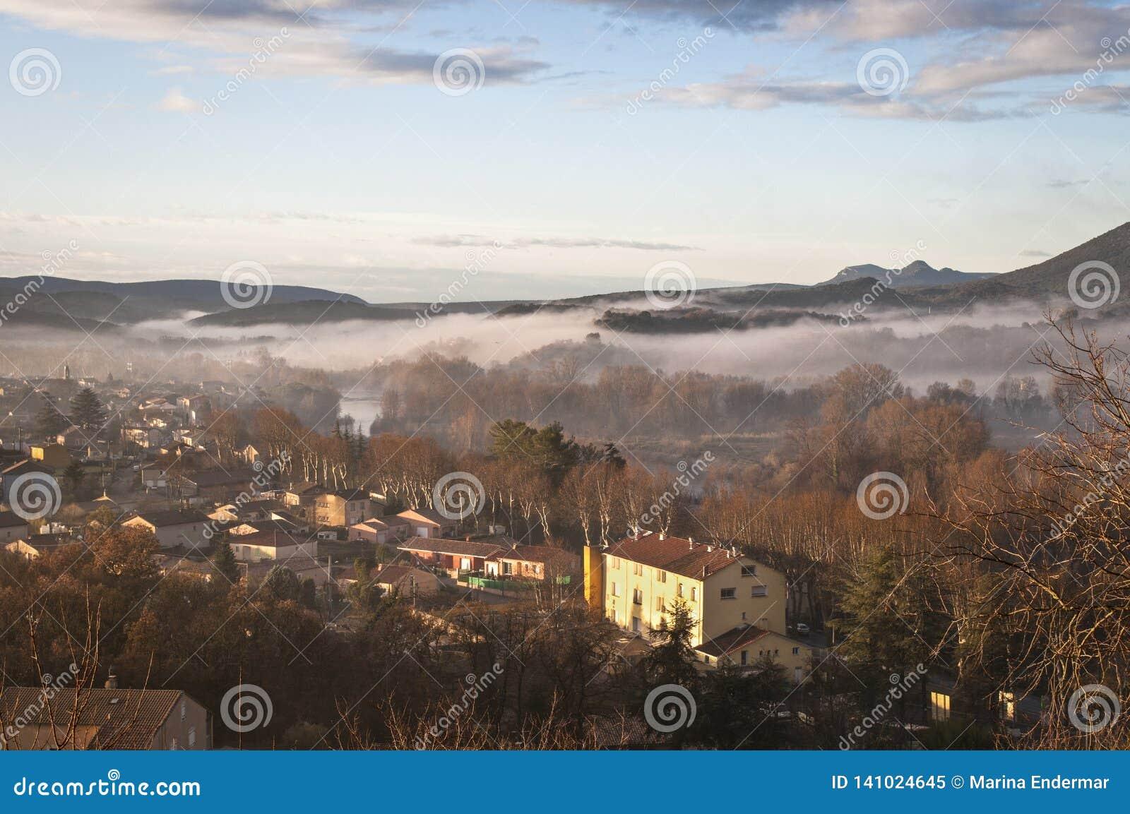 Vue du village Saint Bauzille de Putois, Herault, France