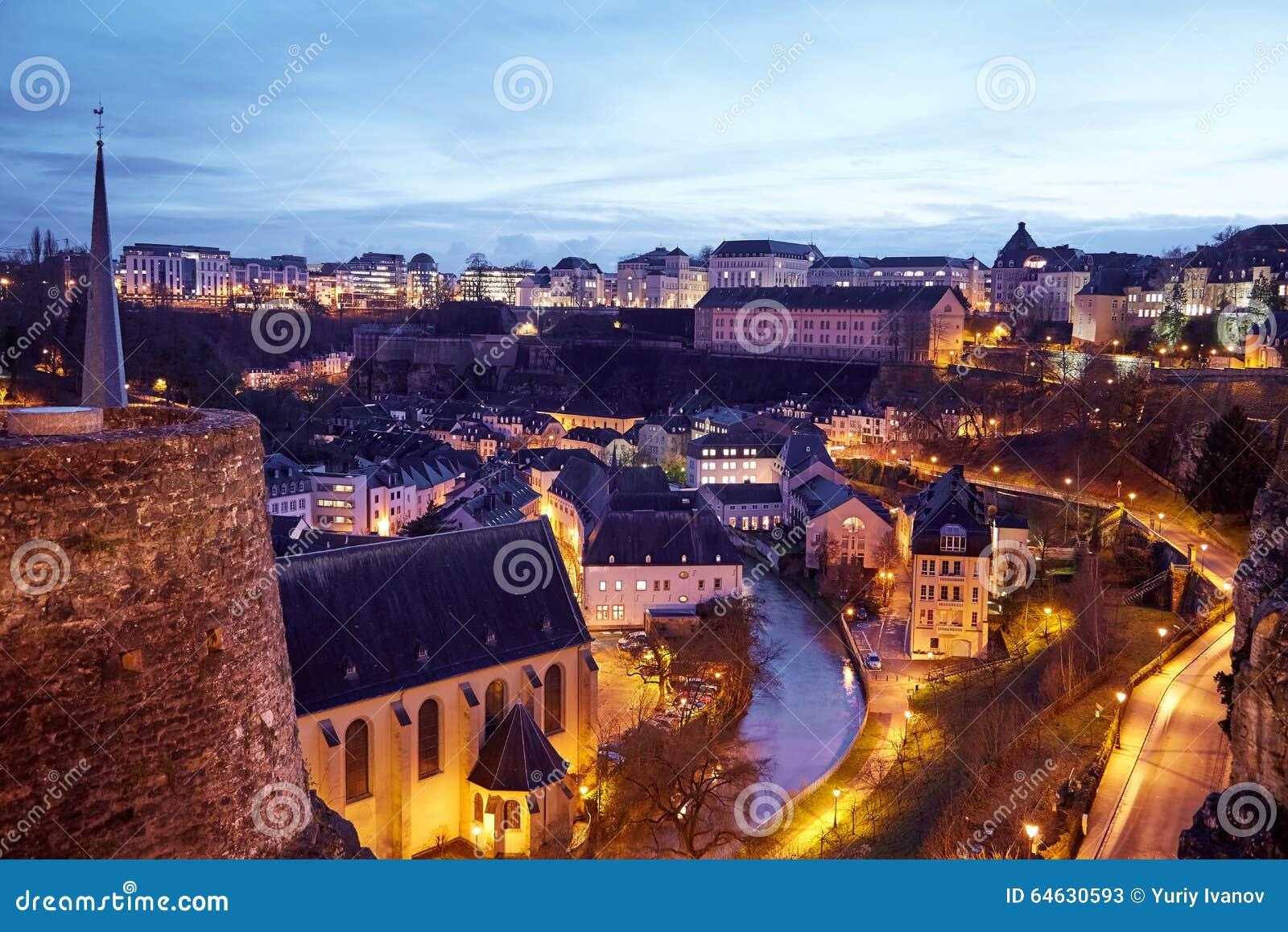 Vue gentille de la nuit Luxembourg