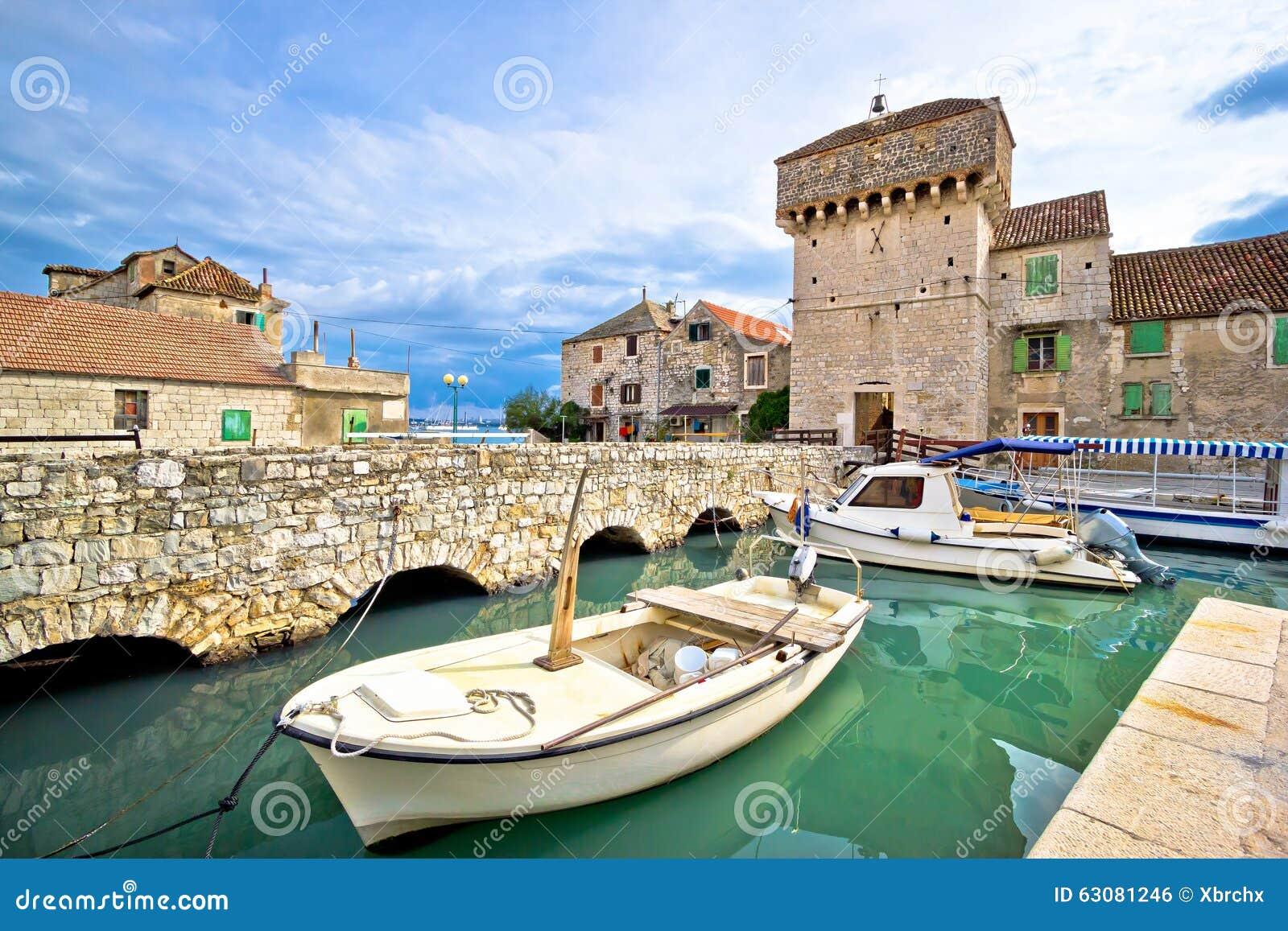 Download Vue Historique D'architecture De Kastel Gomilica Photo stock - Image du port, île: 63081246