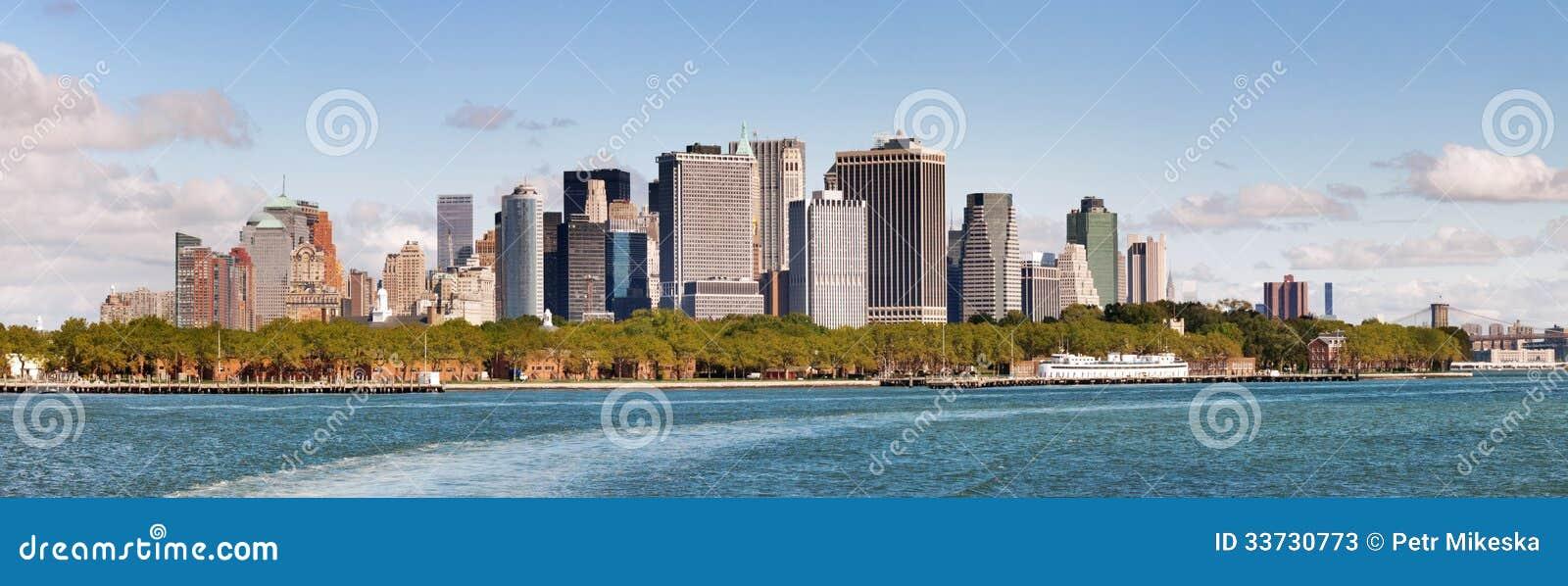 Vue panoramique d horizon inférieur de Manhattan
