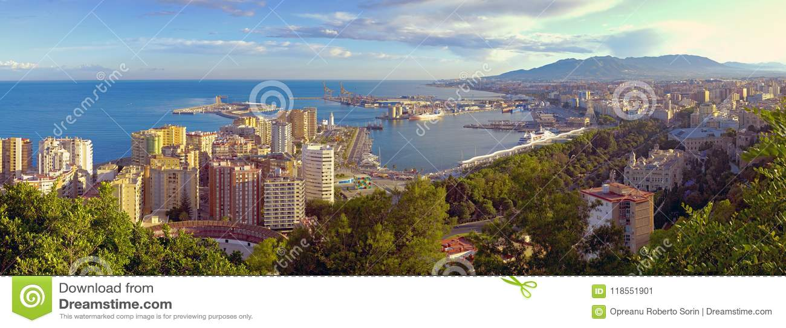 Vue panoramique de la ville de Malaga et du port, Costa del Sol, CMA
