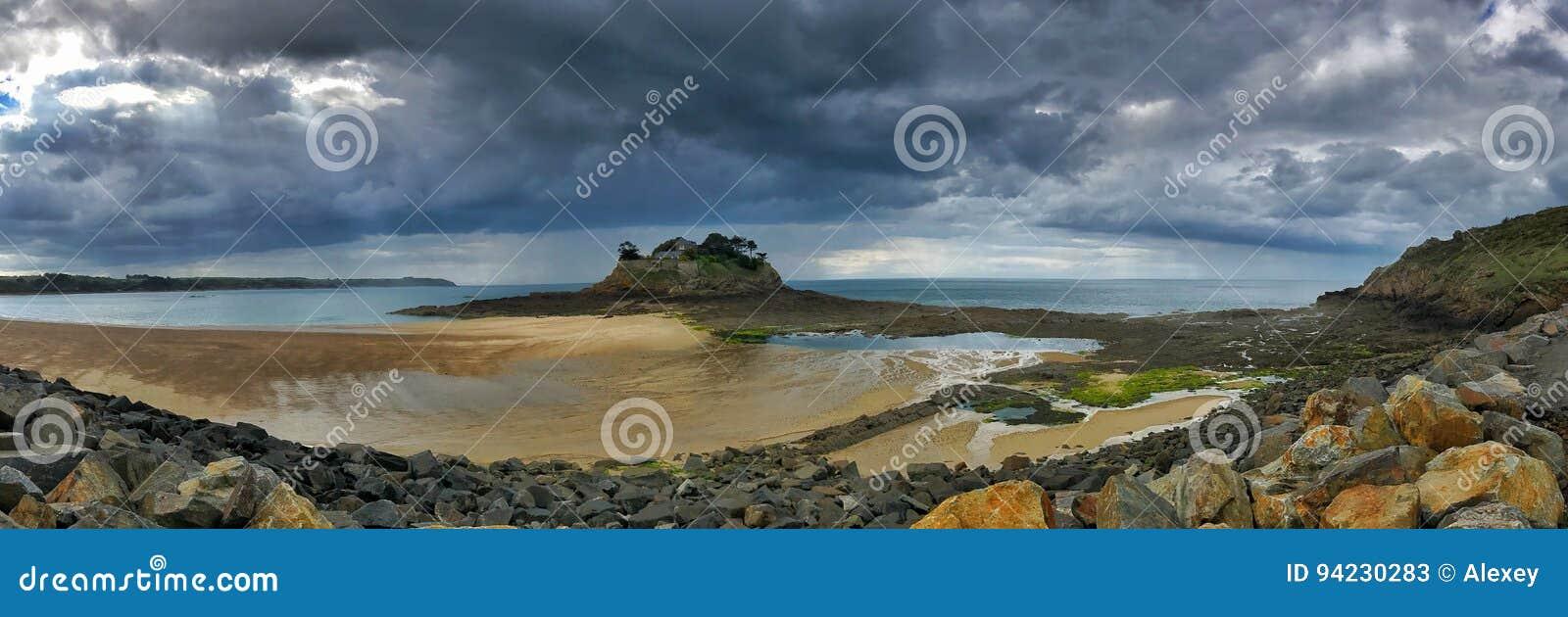 Vue panoramique de littoral de la Bretagne
