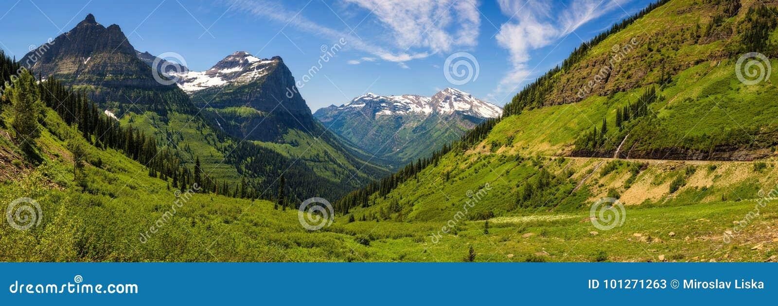 Vue panoramique de Logan Pass en parc national de glacier, Montana
