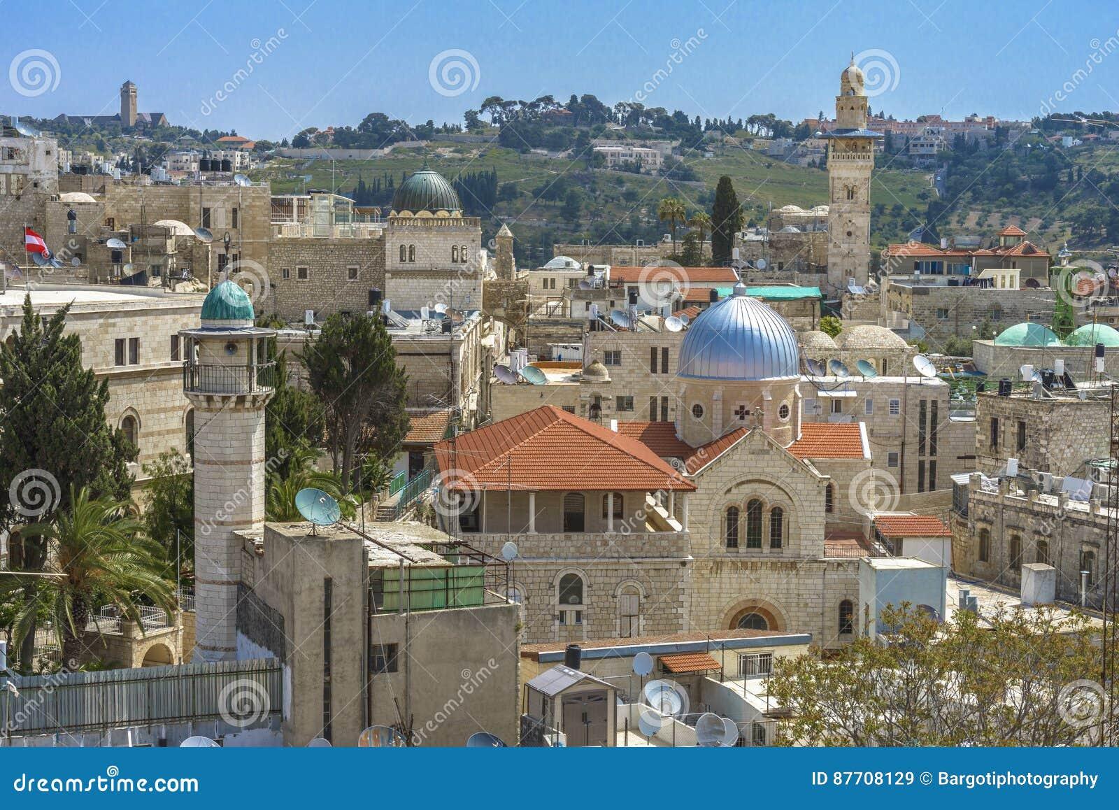 Vue panoramique de toit de Jérusalem aux chrétiens, juif et aux musulmans