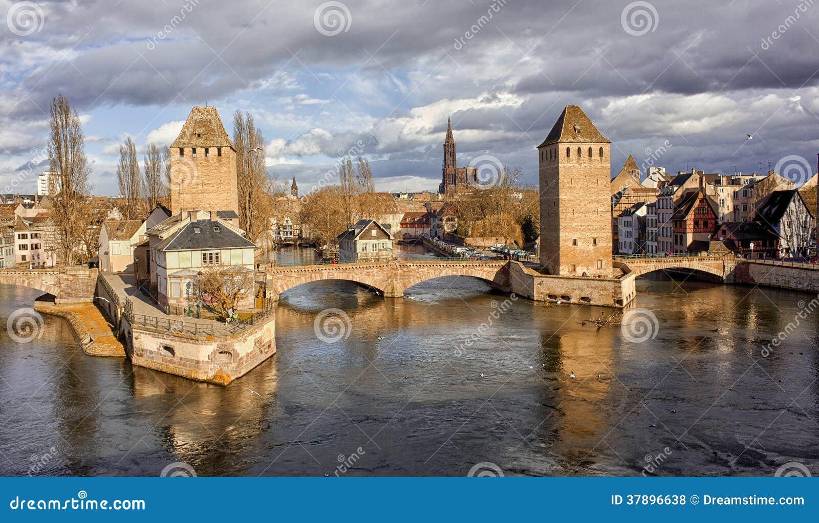 Vue panoramique de ville de strasbourg france photo stock for Piscine de strasbourg