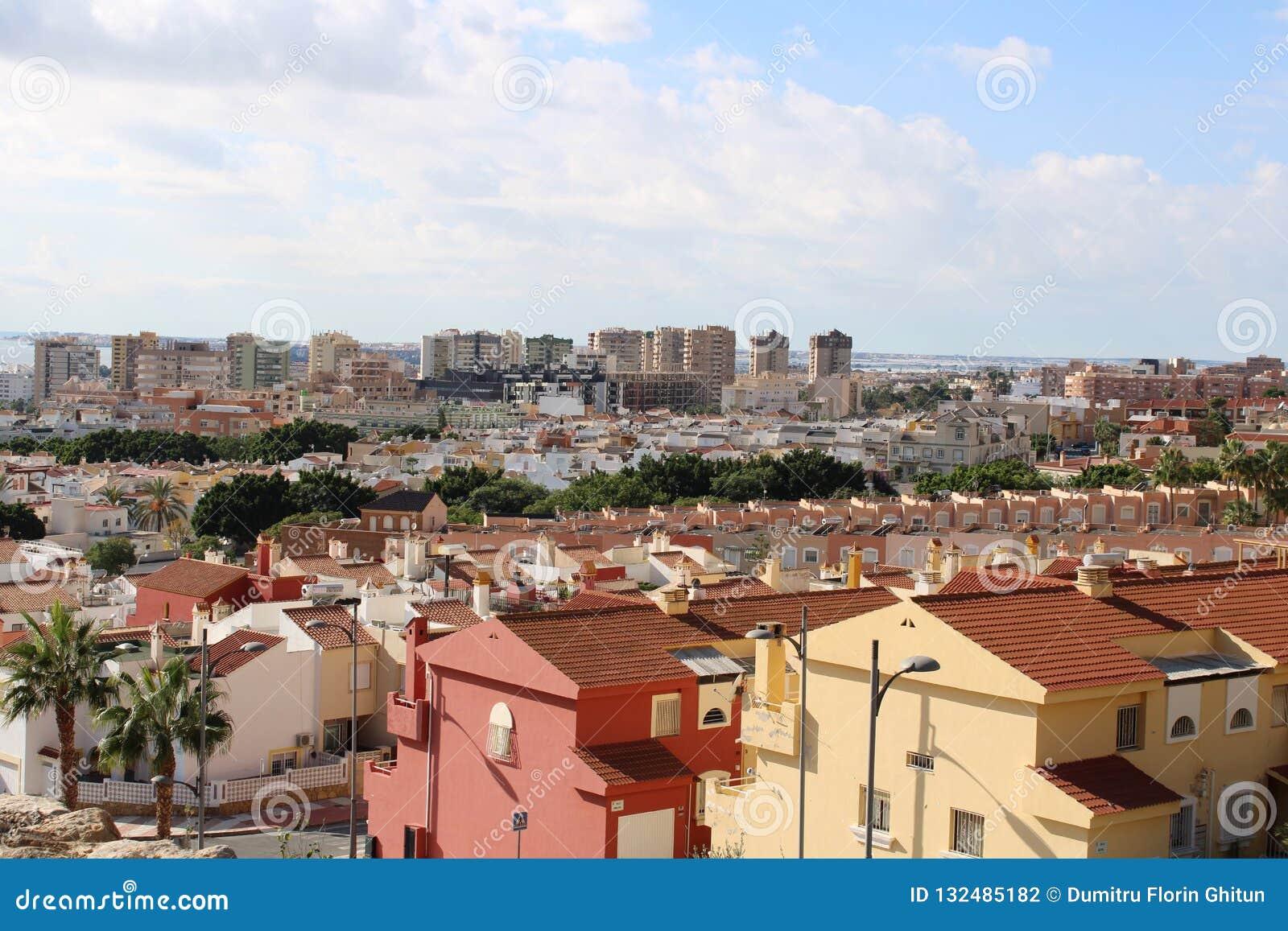 Vue panoramique des maisons et des blocs