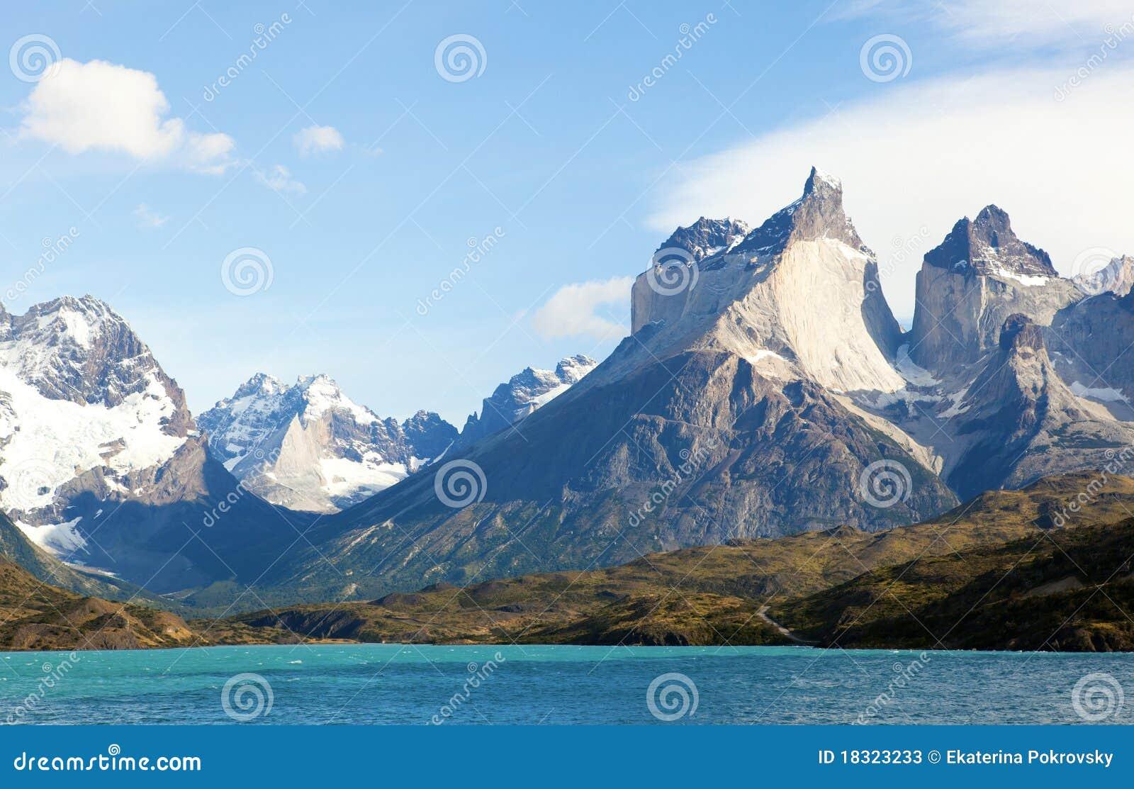 Vue scénique de Cuernos del Paine