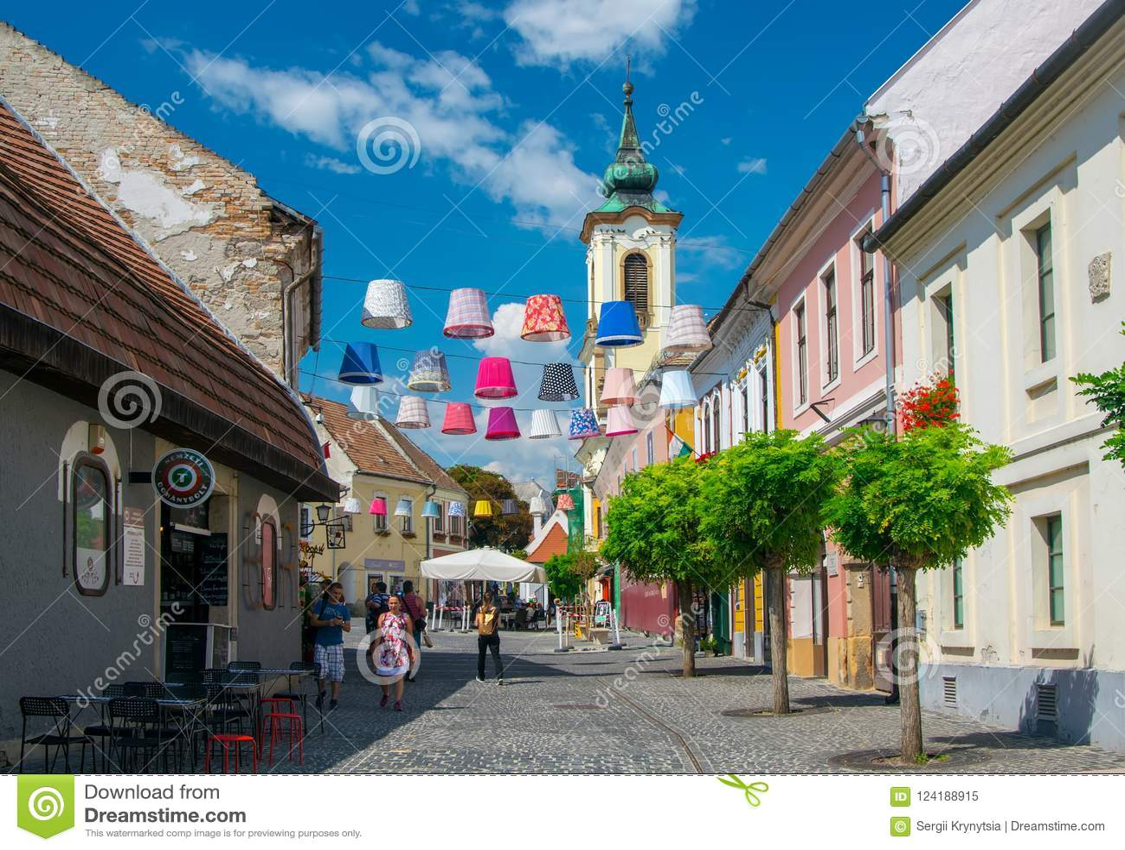 Vue scénique de vieille ville de Szentendre, Hongrie au jour d été ensoleillé